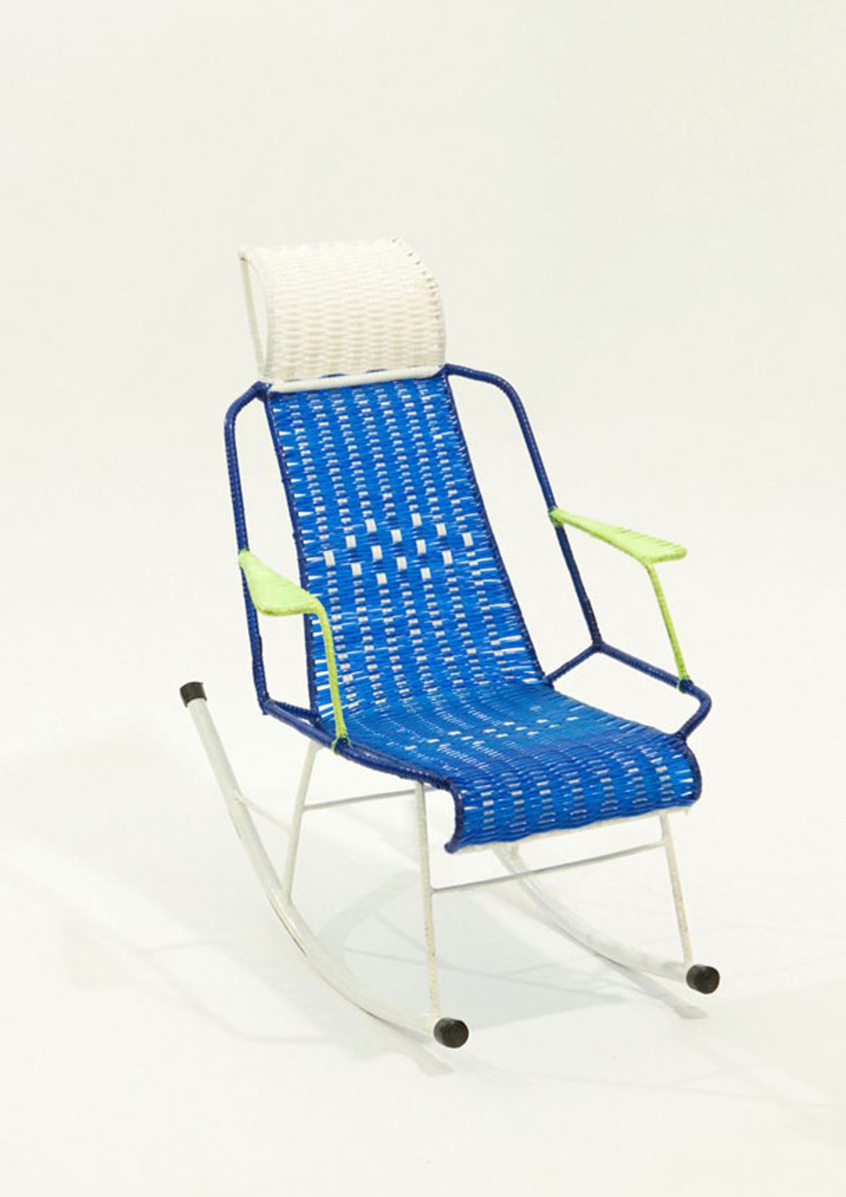 Brief History Of The Rocking Chair Architizer. Full resolution  img, nominally Width 1680 Height 2377 pixels, img with #0551B6.