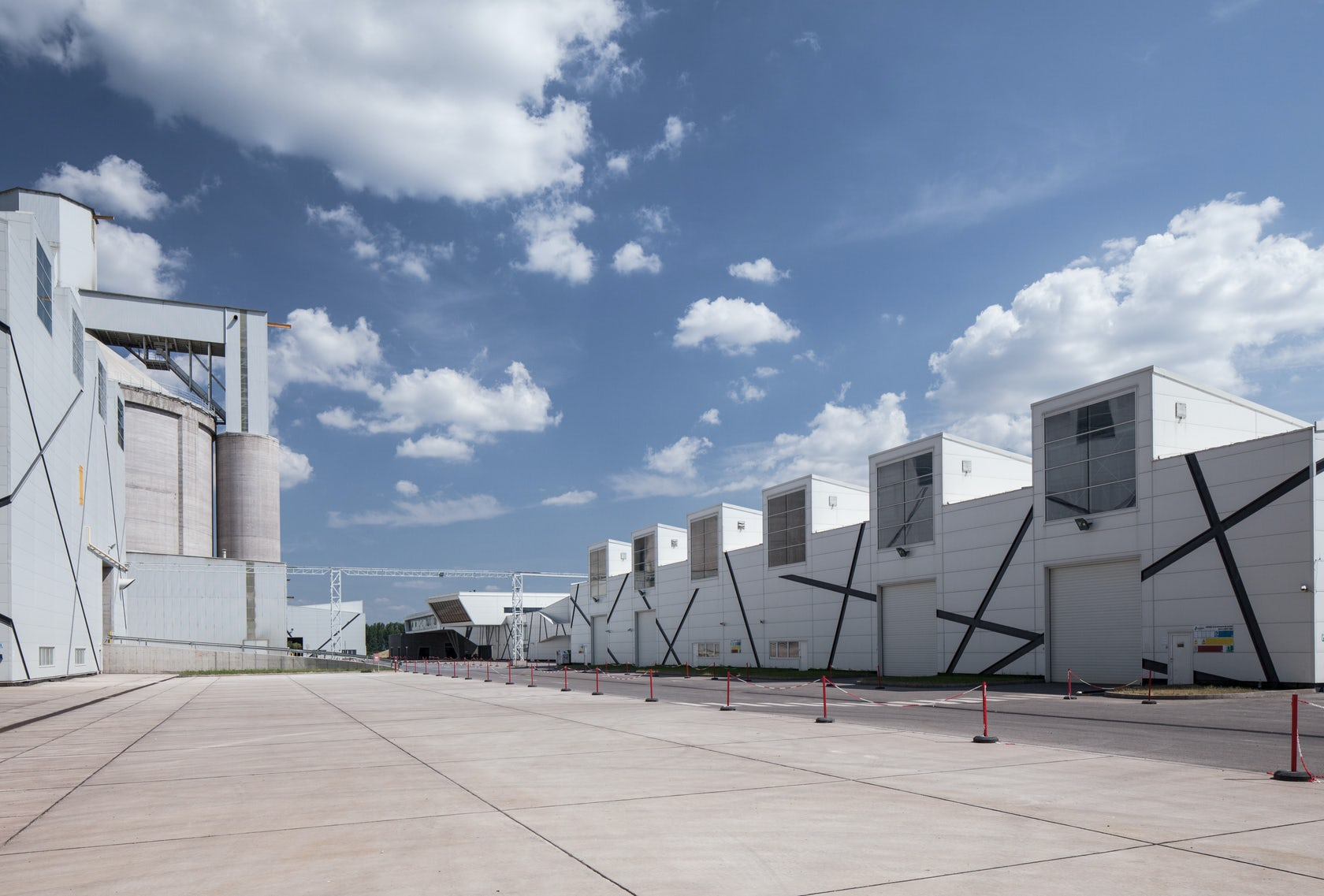 New Lafarge Cem : Cement plant in szentlörinc architizer