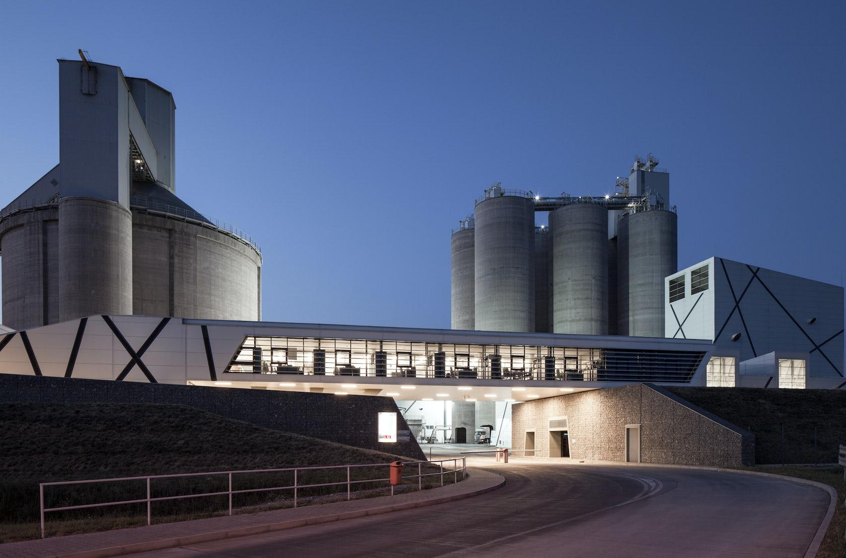 New York Cement Plants : Cement plant in szentlörinc architizer