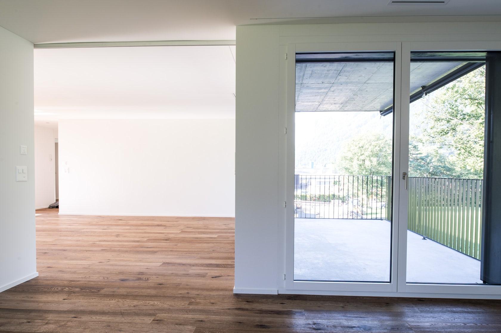 das schwarze haus architizer. Black Bedroom Furniture Sets. Home Design Ideas