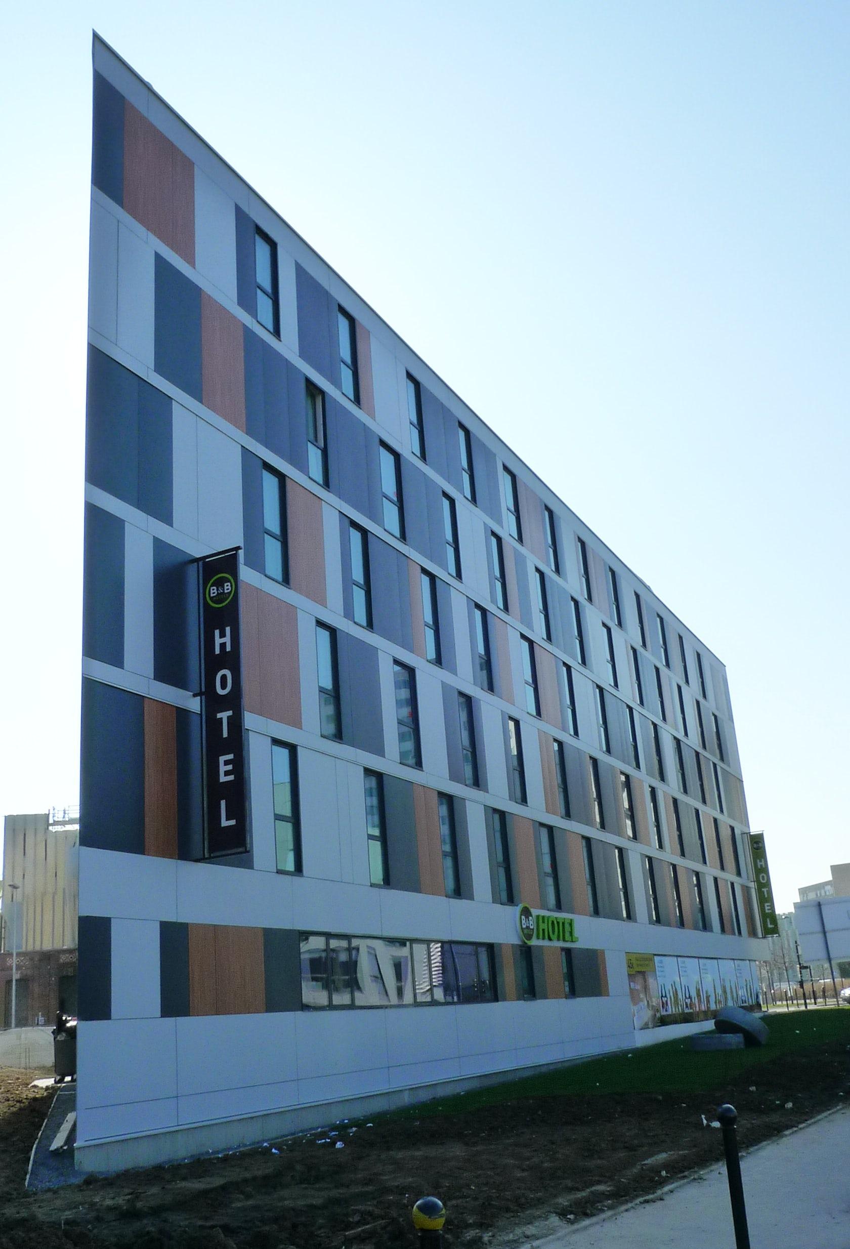 construction d 39 un ensemble de bureaux et d 39 un h tel tourcoing architizer. Black Bedroom Furniture Sets. Home Design Ideas