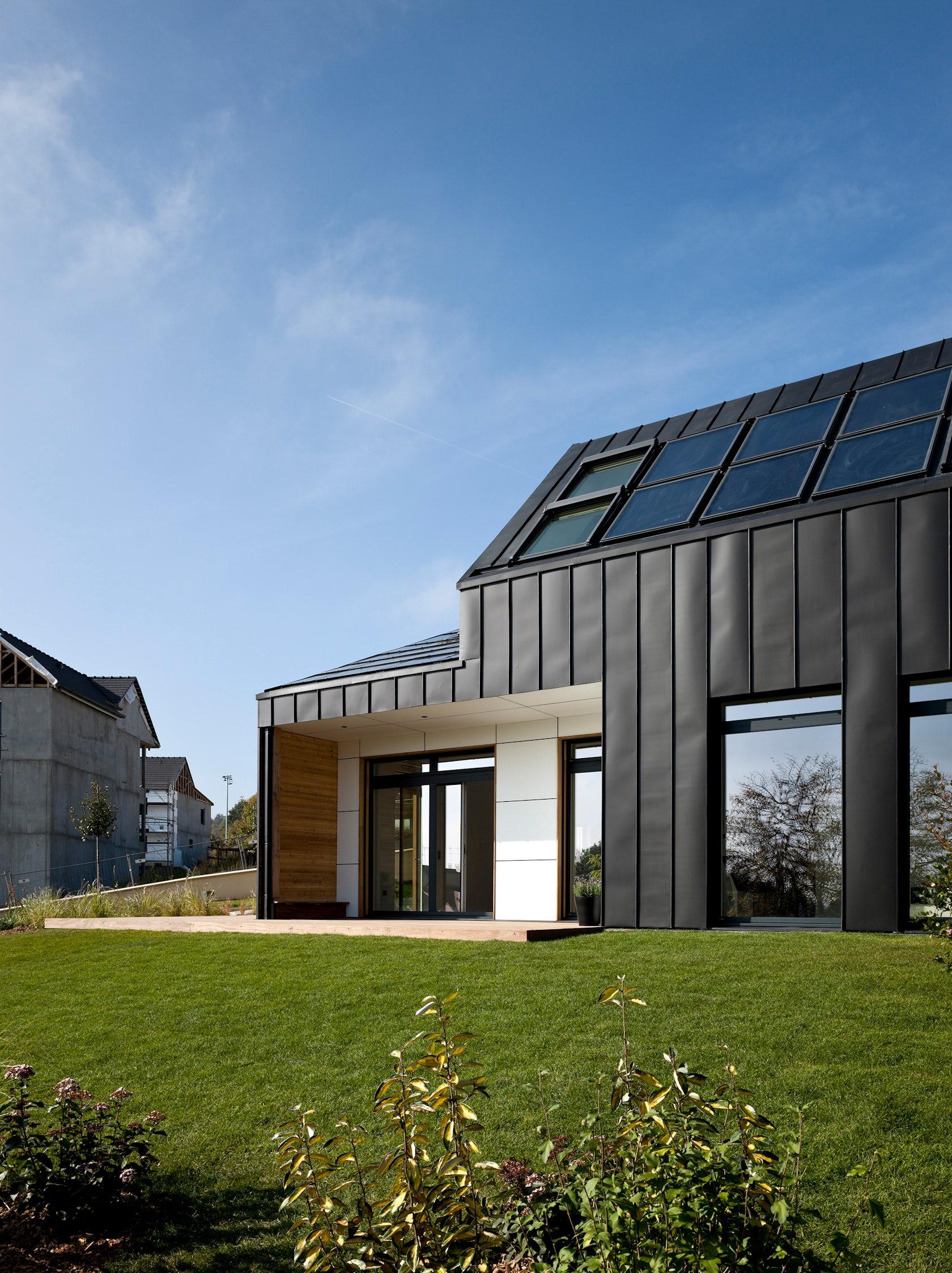 Maison air et lumi re an active house by nomade architizer - Maison active ...