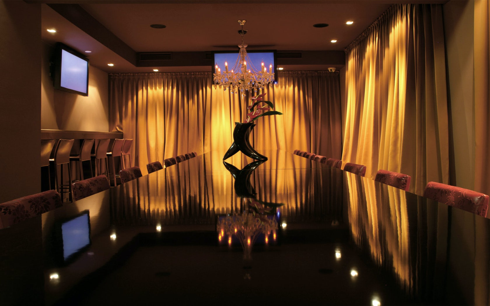 Night club Mystic - Architizer