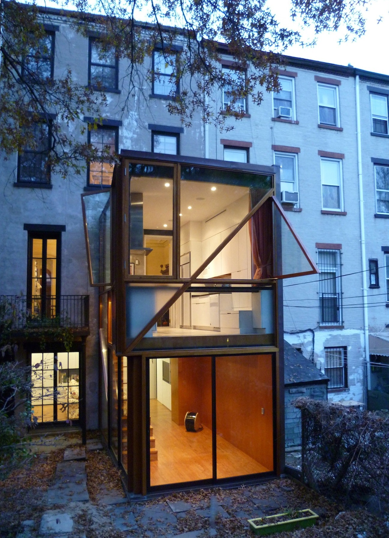 fort greene projects My family, having very few advantages of either income or education, elected to stay firmly where it had started out – brooklyn, the fort greene projects to be exact this was the apartment my grateful parents found as my father came out of the army and there we stayed until his income rose to over the city's permissible level.