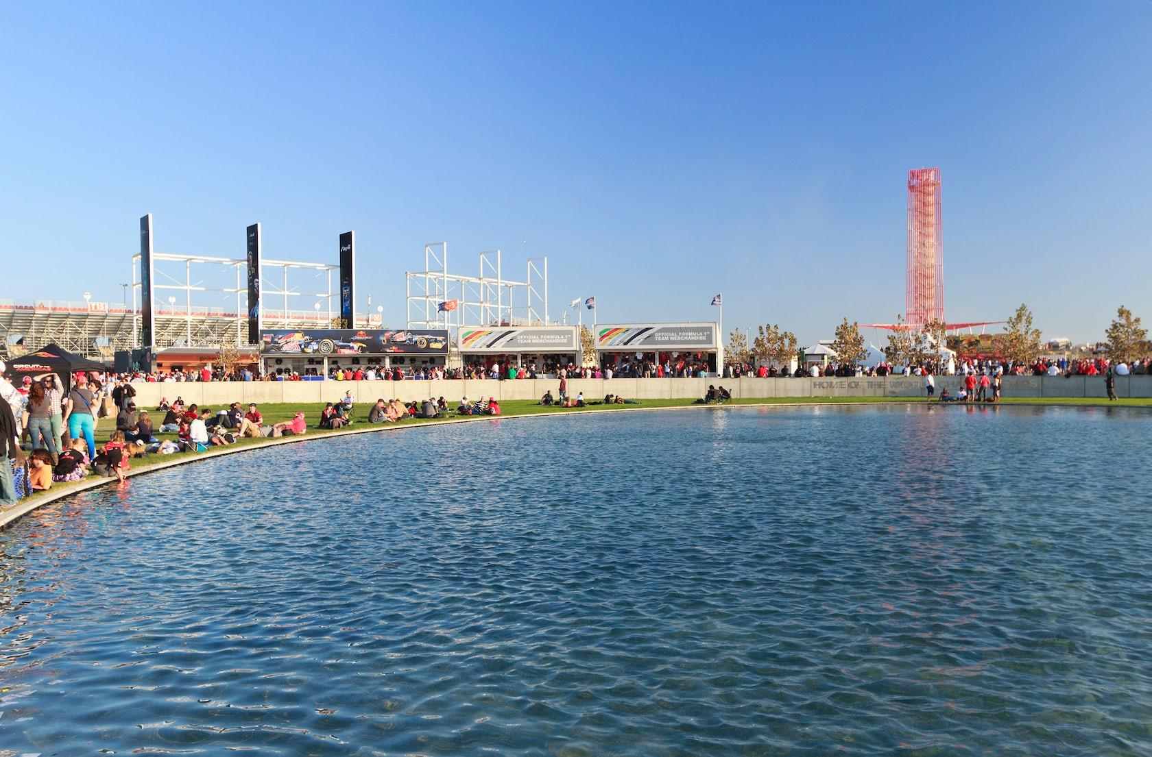 Grand Plaza And Austin360 Amphitheater Architizer