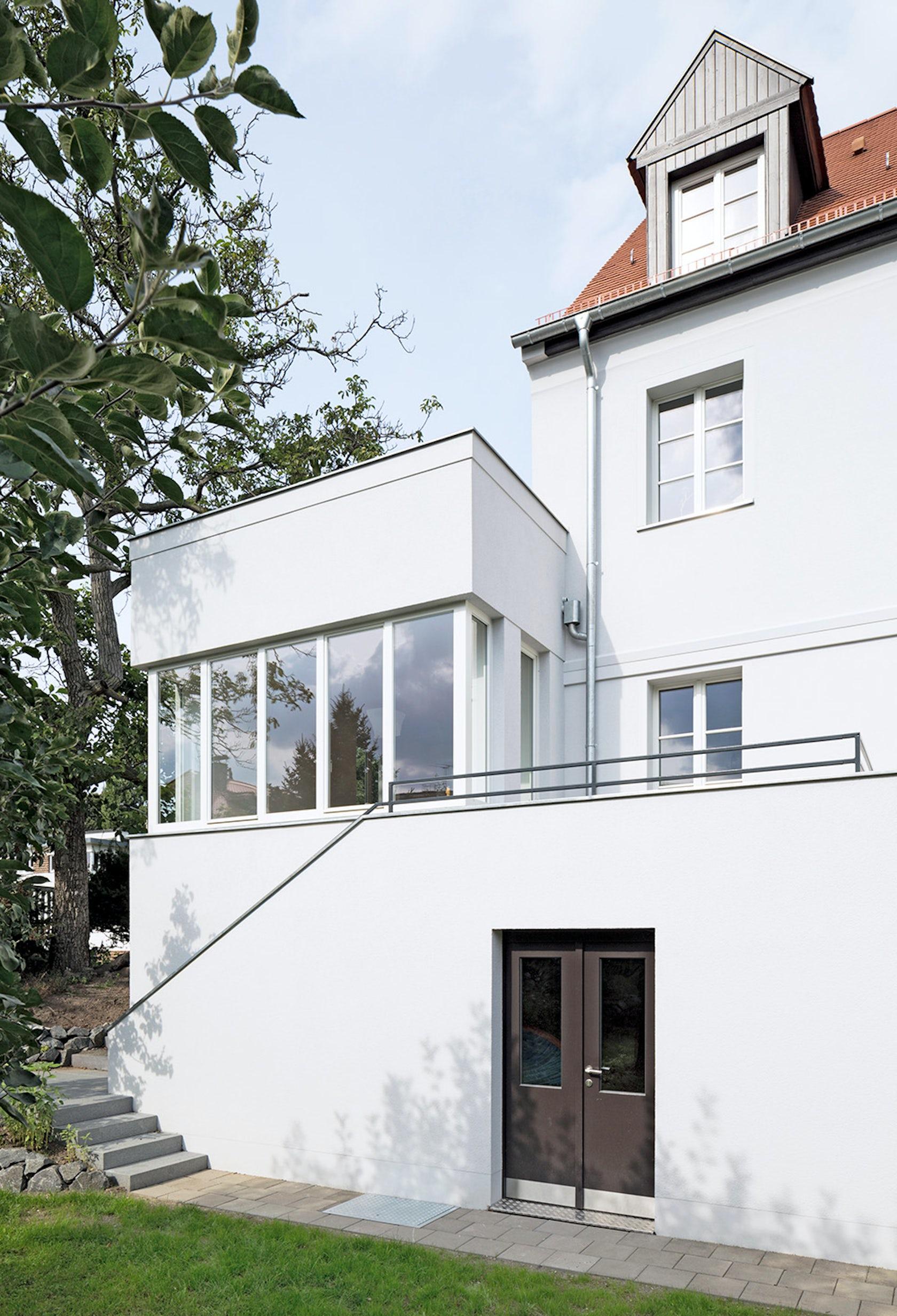 Haus am auenwald architizer for Auenwald leipzig