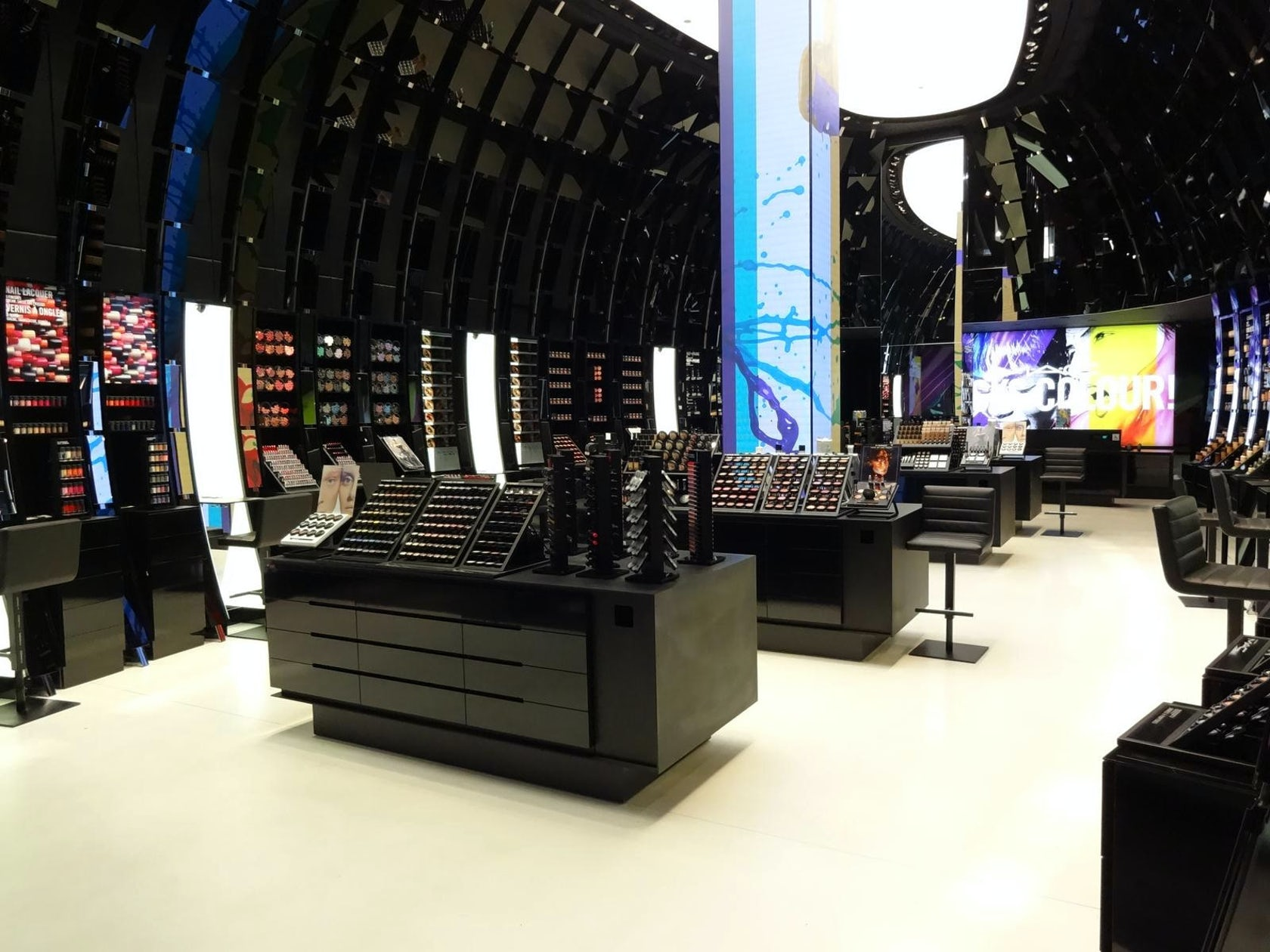 mac cosmetics champs elysees architizer. Black Bedroom Furniture Sets. Home Design Ideas