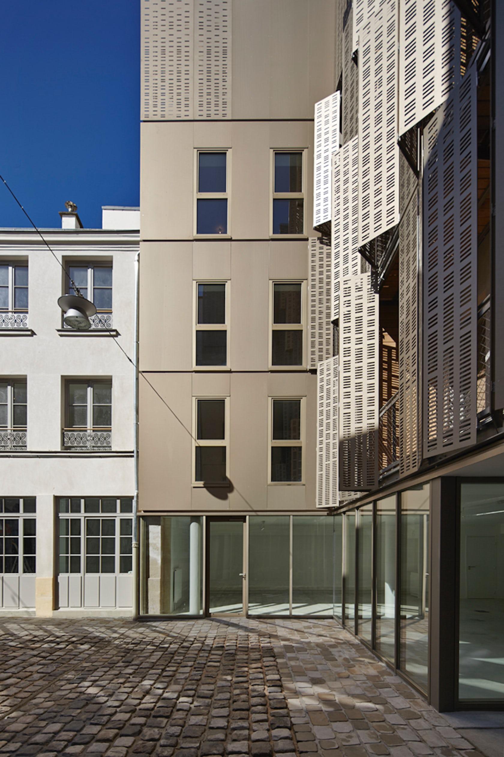 25 rue michel le comte paris le marais architizer. Black Bedroom Furniture Sets. Home Design Ideas