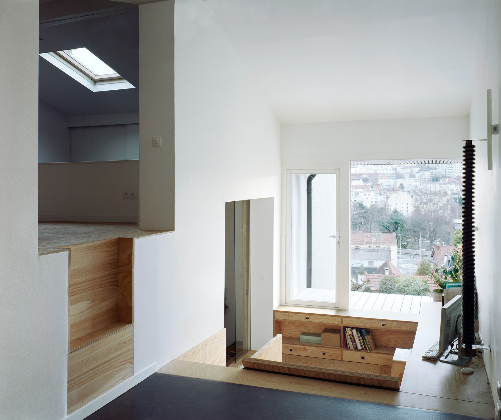 Une chambre suspendue gentilly architizer for Extension chambre