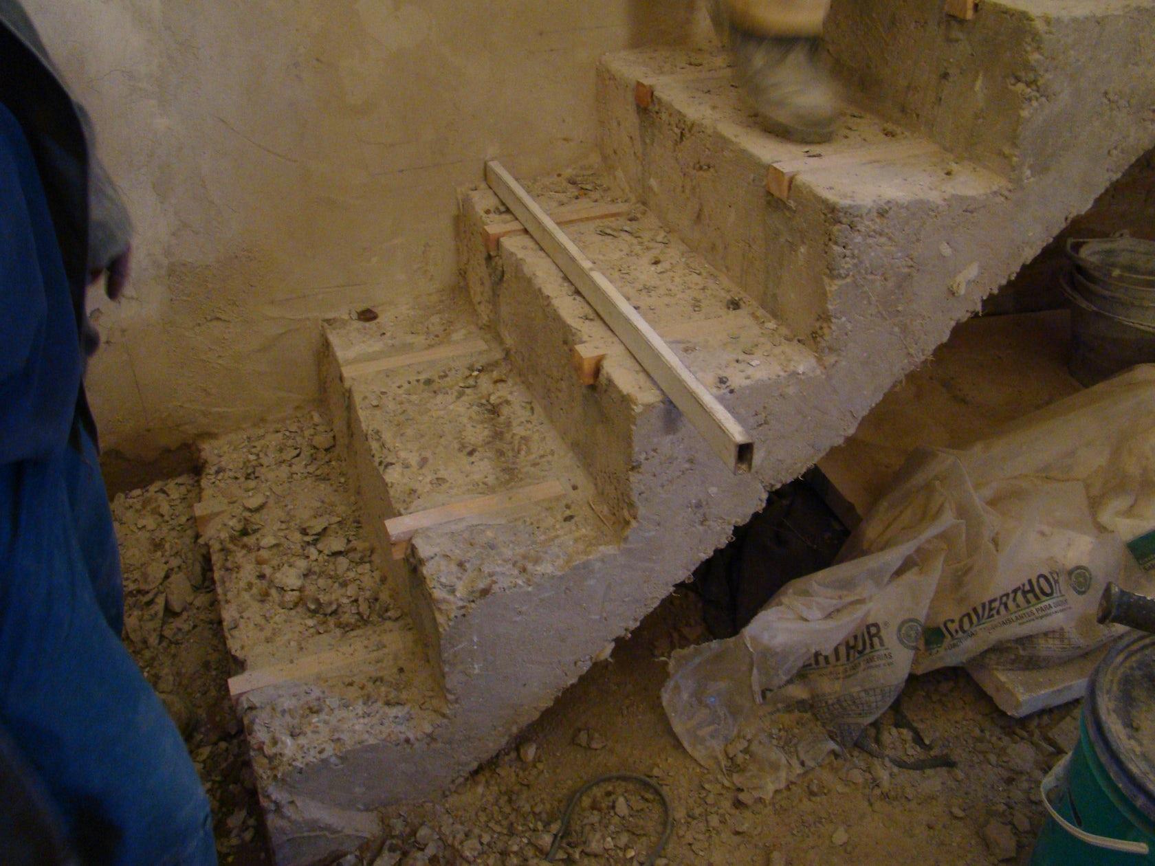 Construcci n de una escalera de hormig n architizer for Construccion de una escalera de hormigon