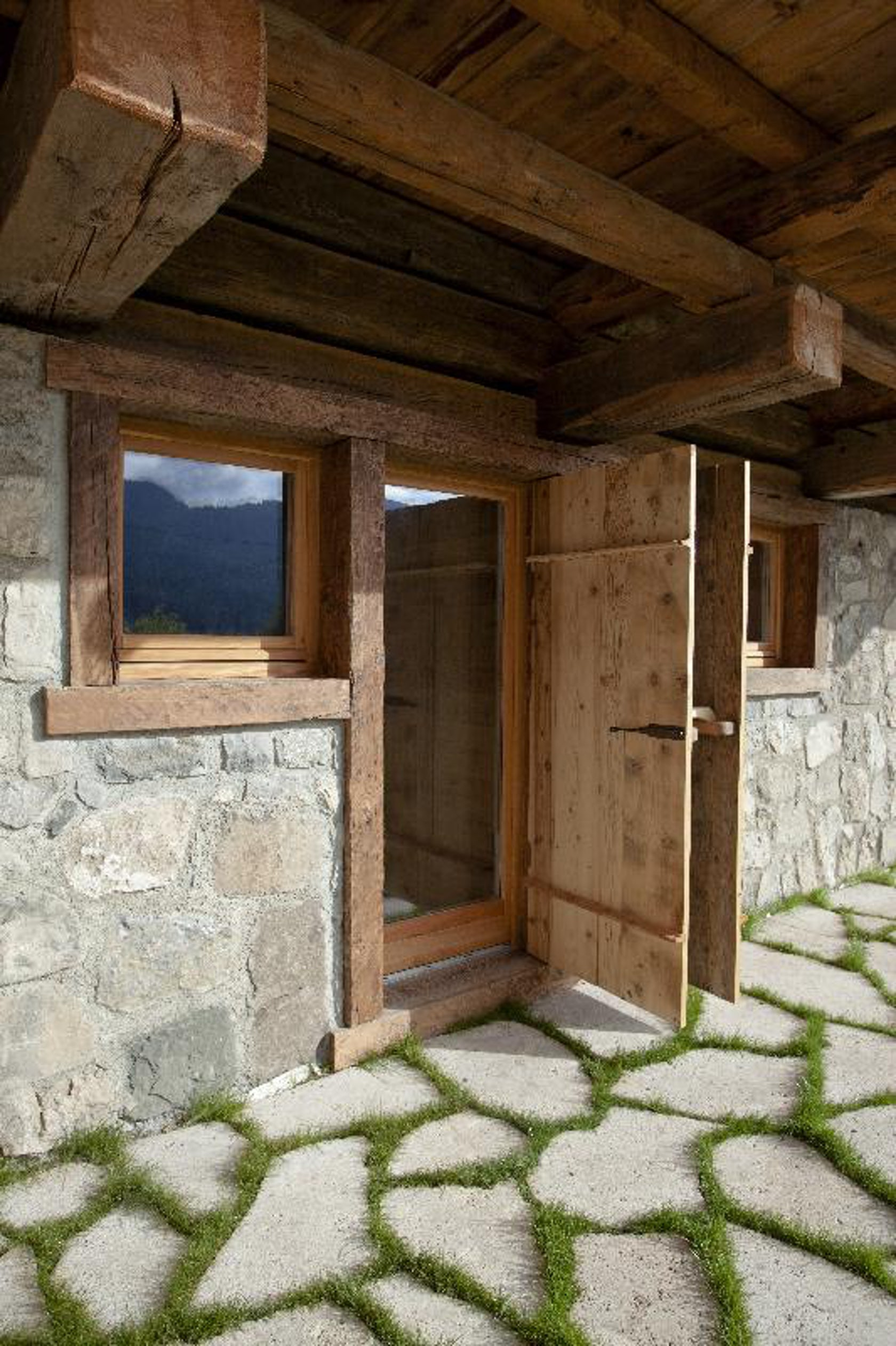 Fvl reclaimed natural wood architizer for Reclaimed wood manufacturers
