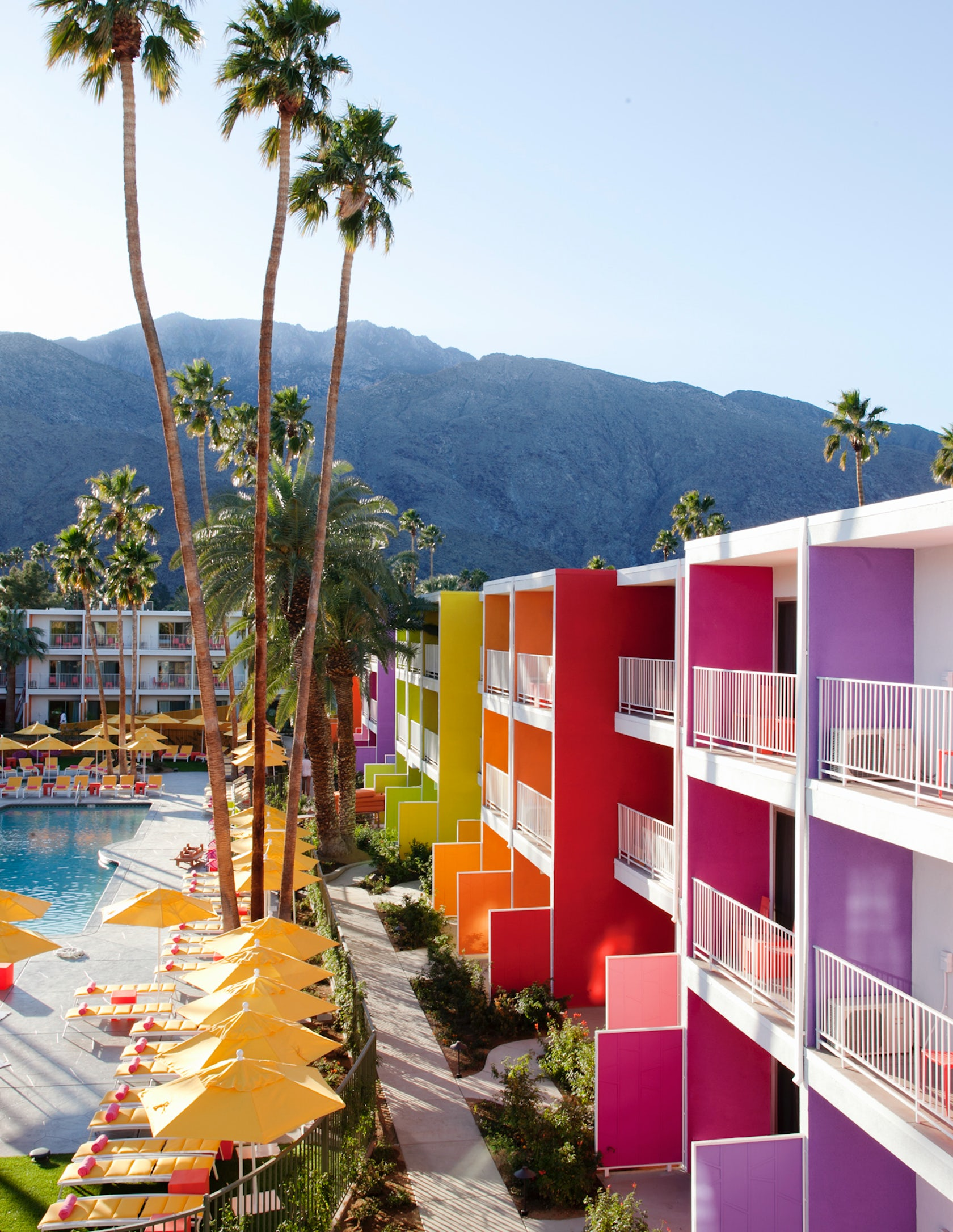 The saguaro palm springs architizer for Palm springs strip hotels