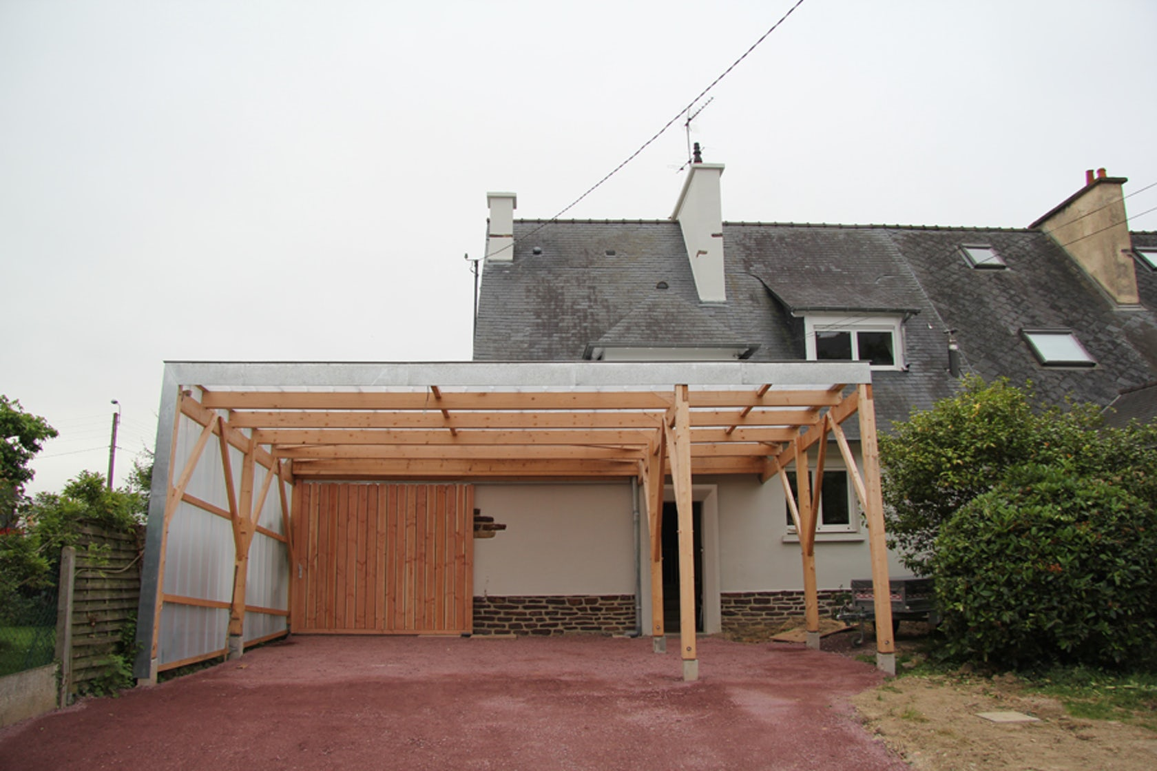 translucent garage architizer. Black Bedroom Furniture Sets. Home Design Ideas