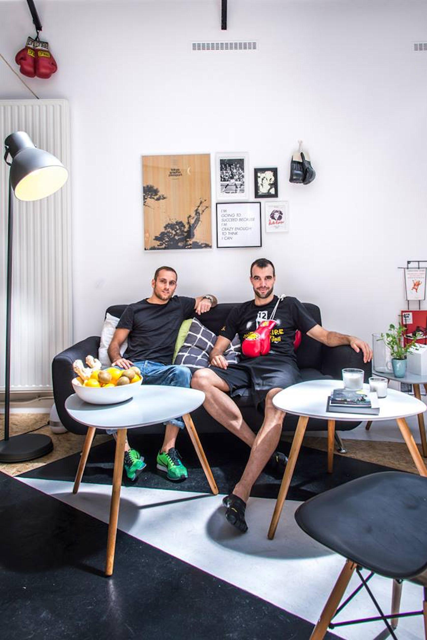 la belle quipe architizer. Black Bedroom Furniture Sets. Home Design Ideas