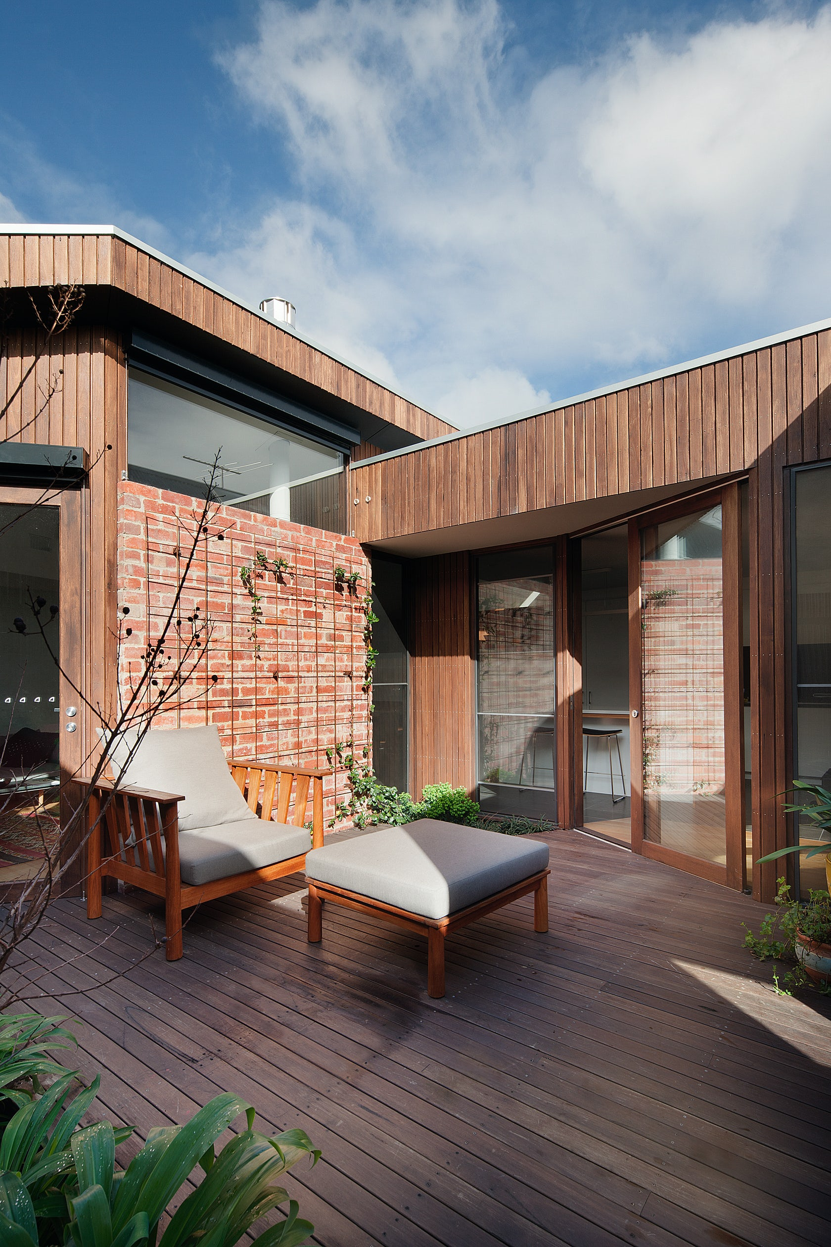 Innercity downsize house architizer for Downsize home plans