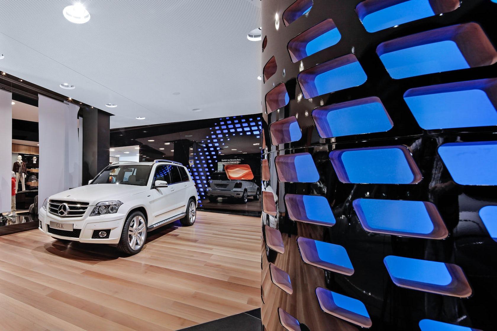 Showroom 39 mercedes benz gallery 39 berlin architizer for Mercedes benz call center