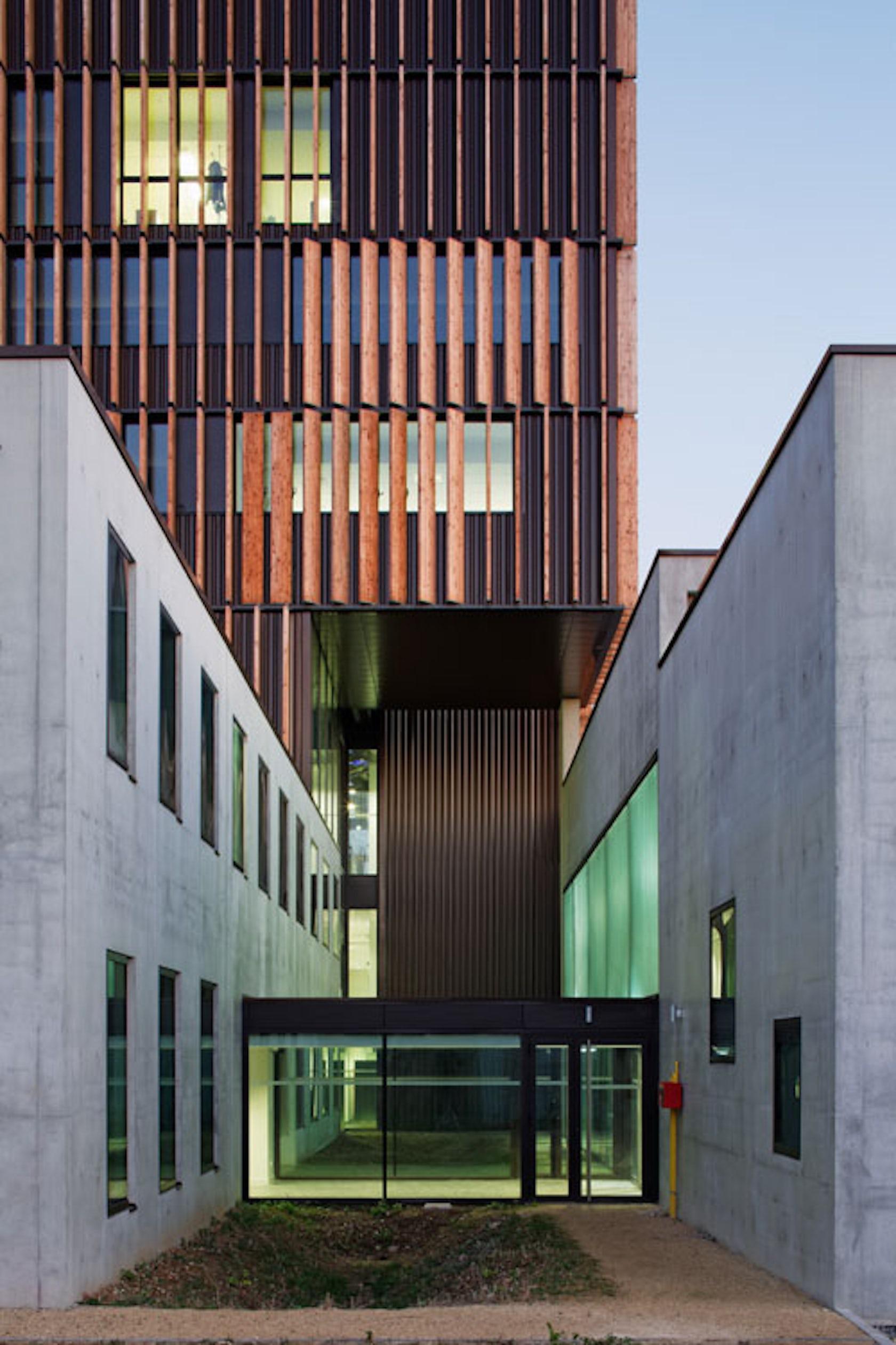 mantes technology centre architizer. Black Bedroom Furniture Sets. Home Design Ideas