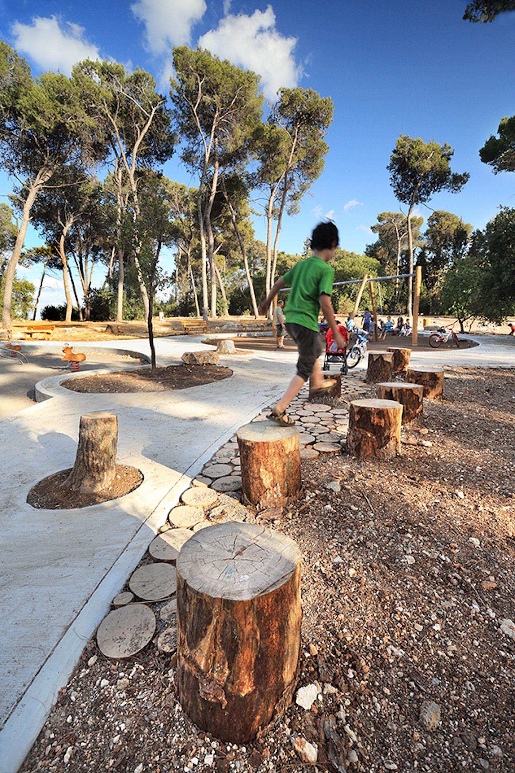 Hashomrim park architizer for Haas landscape architects