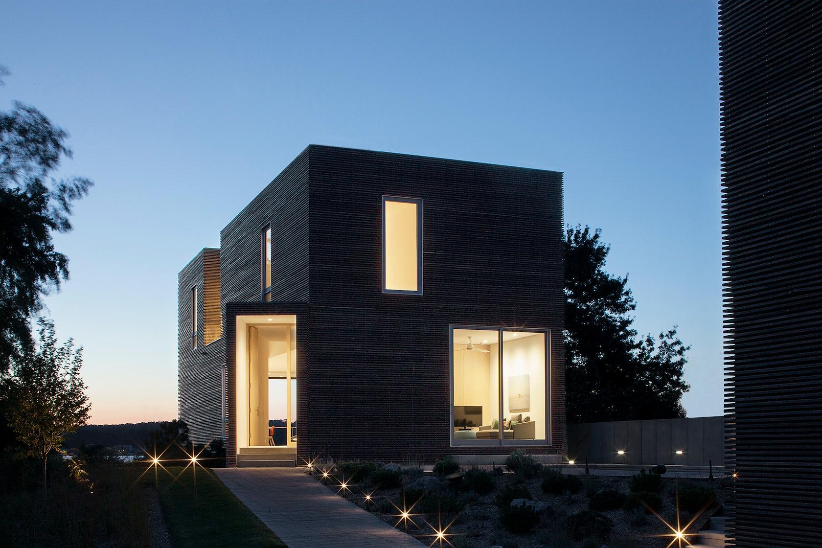 Quonochontaug house architizer for Milo motors north syracuse
