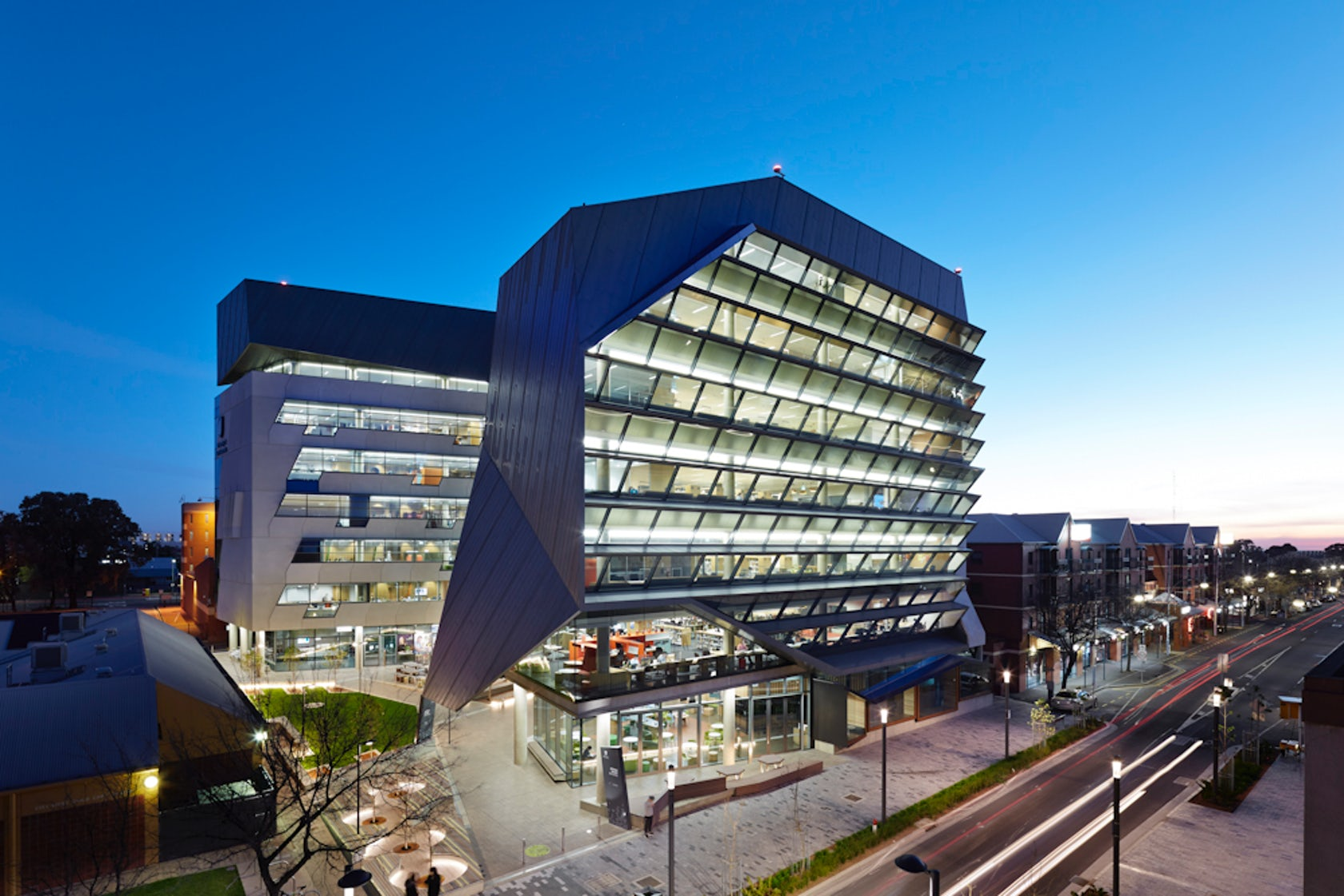 Jeffrey smart building university of south australia for Architecture firms adelaide