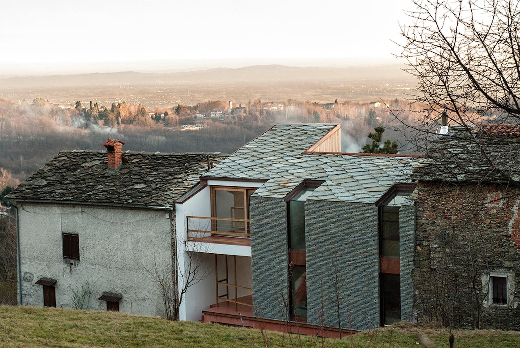 Alpine foothills house architizer for Case con facciate in pietra