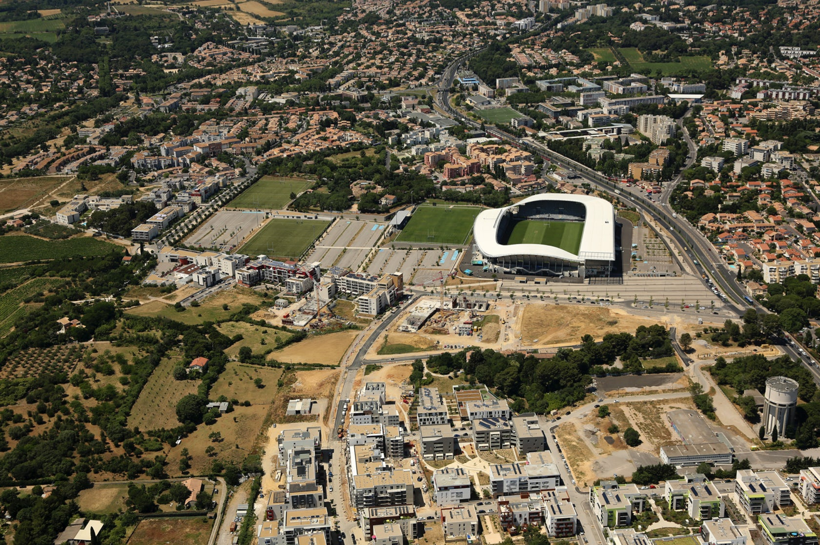 how to get to stade yves-du-manoir