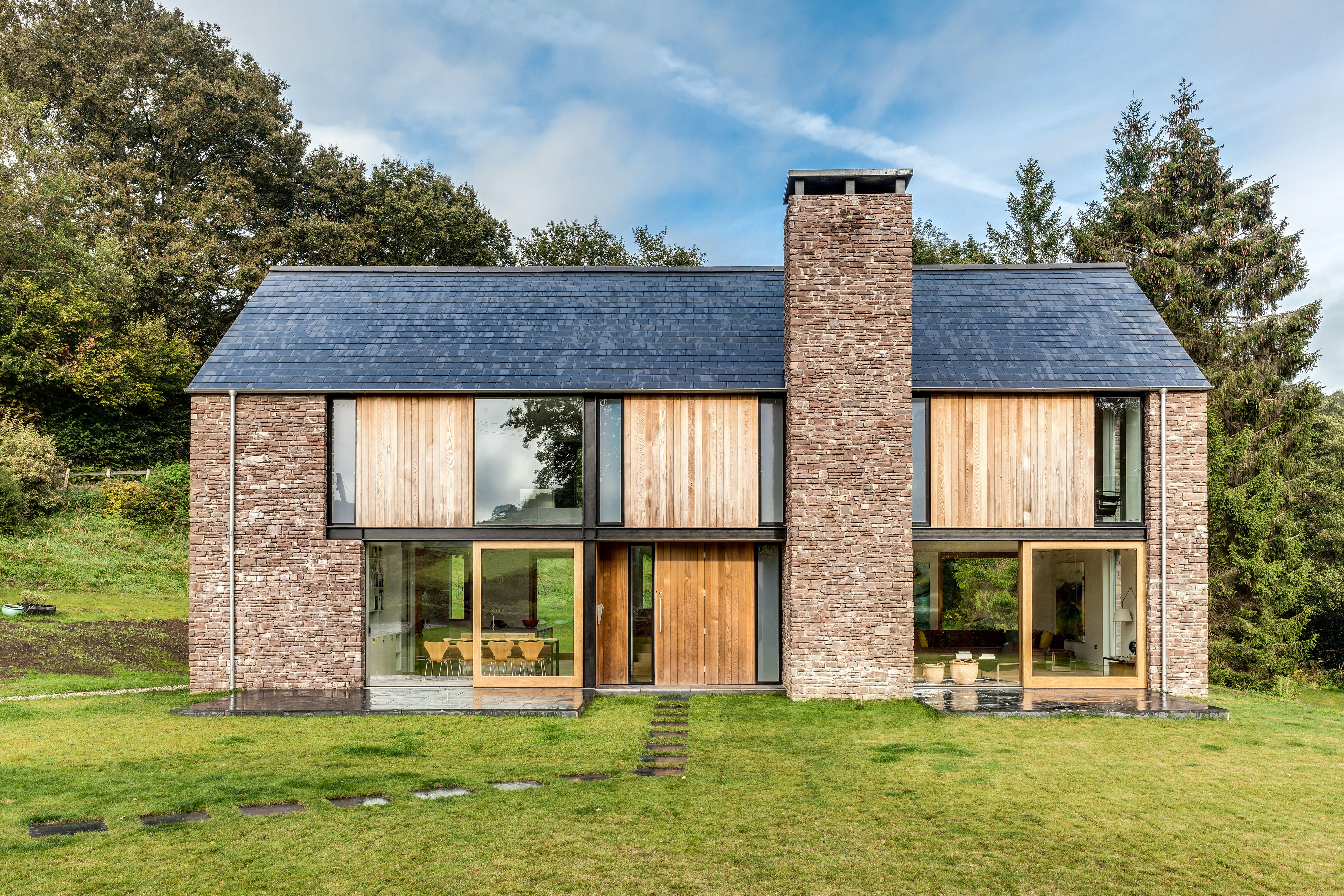Solid as a Rock: 7 Homes Sourcing Local Sandstone