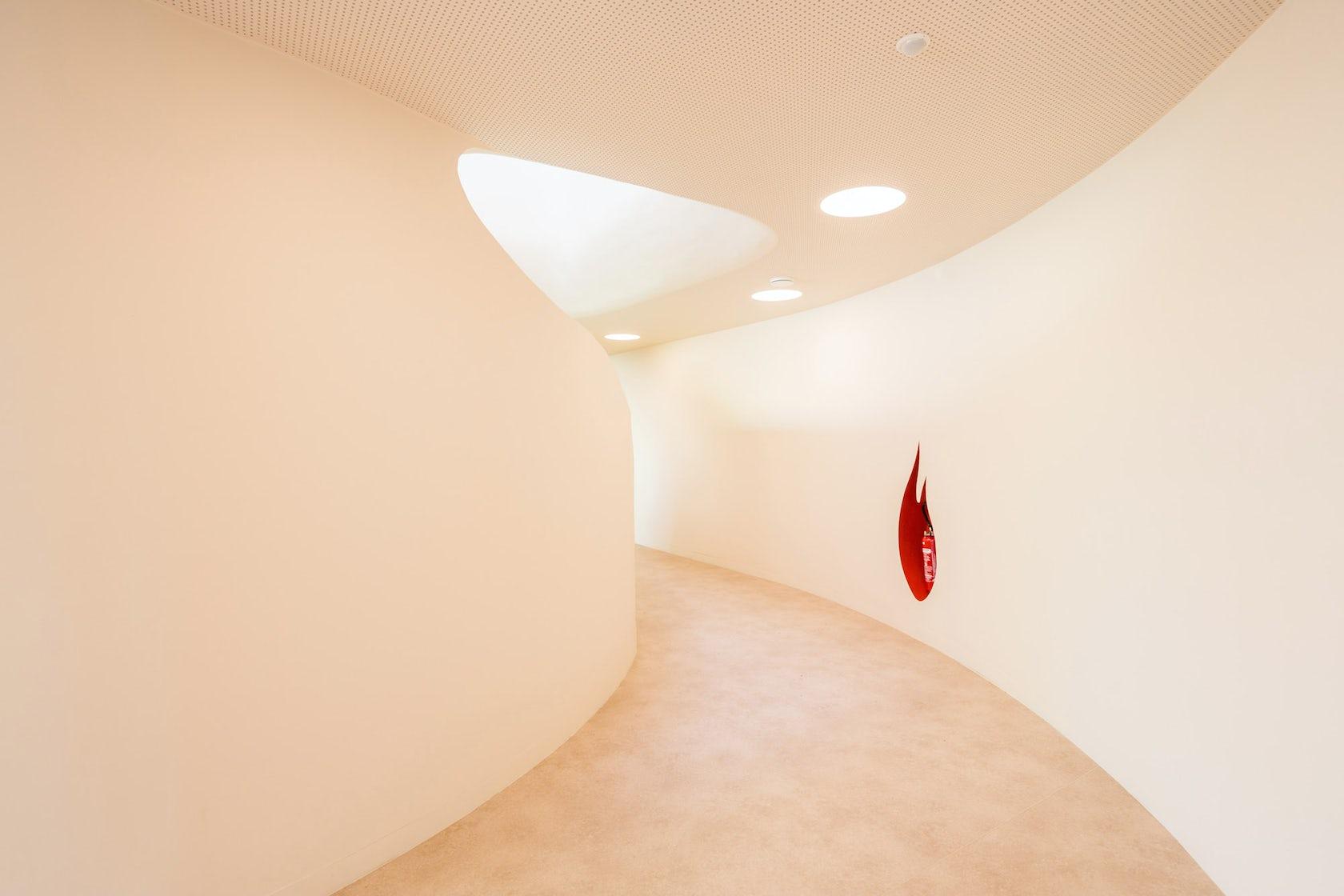 niki de saint phalle school architizer. Black Bedroom Furniture Sets. Home Design Ideas
