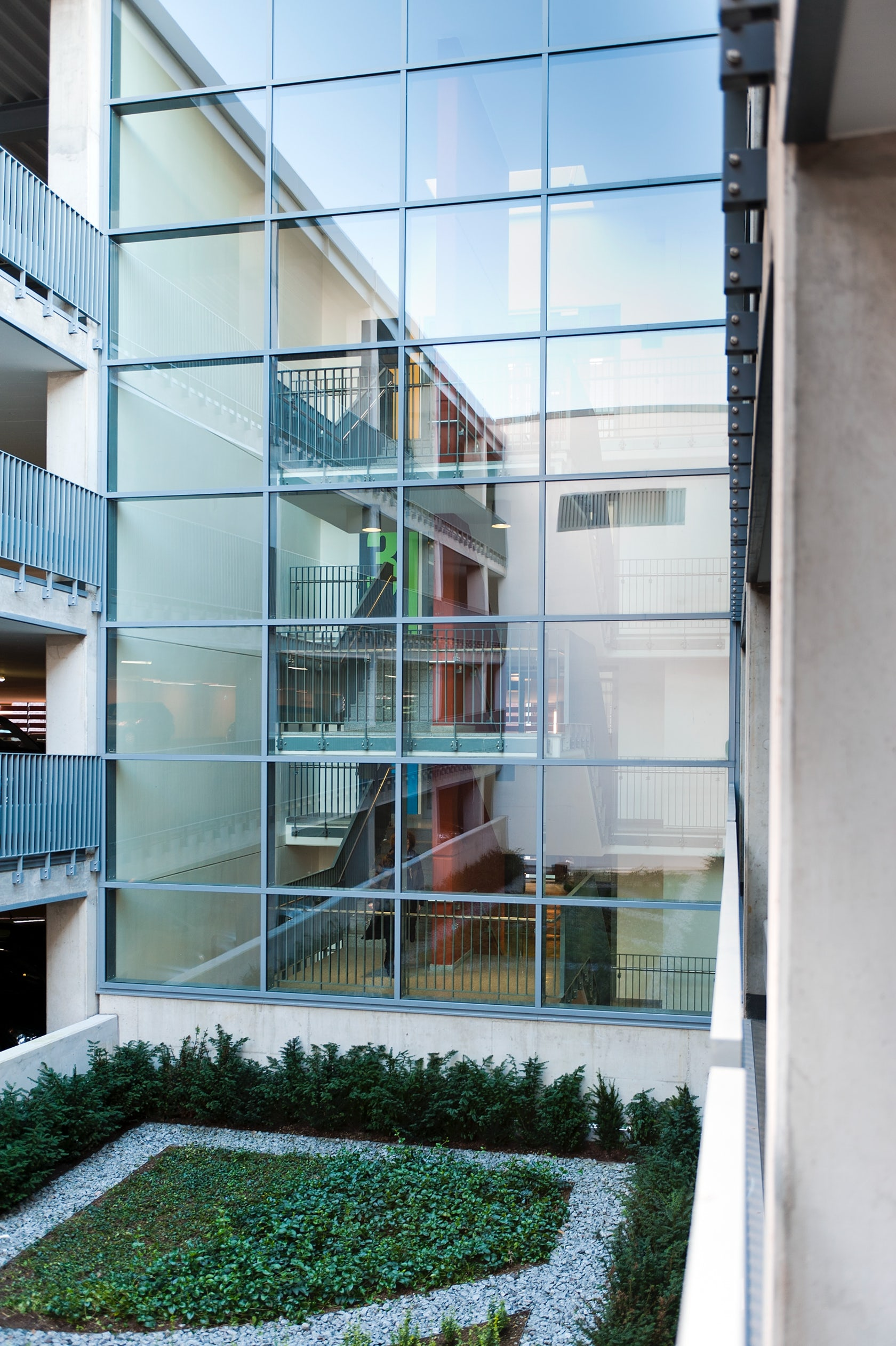 parkhaus alter steinweg architizer. Black Bedroom Furniture Sets. Home Design Ideas