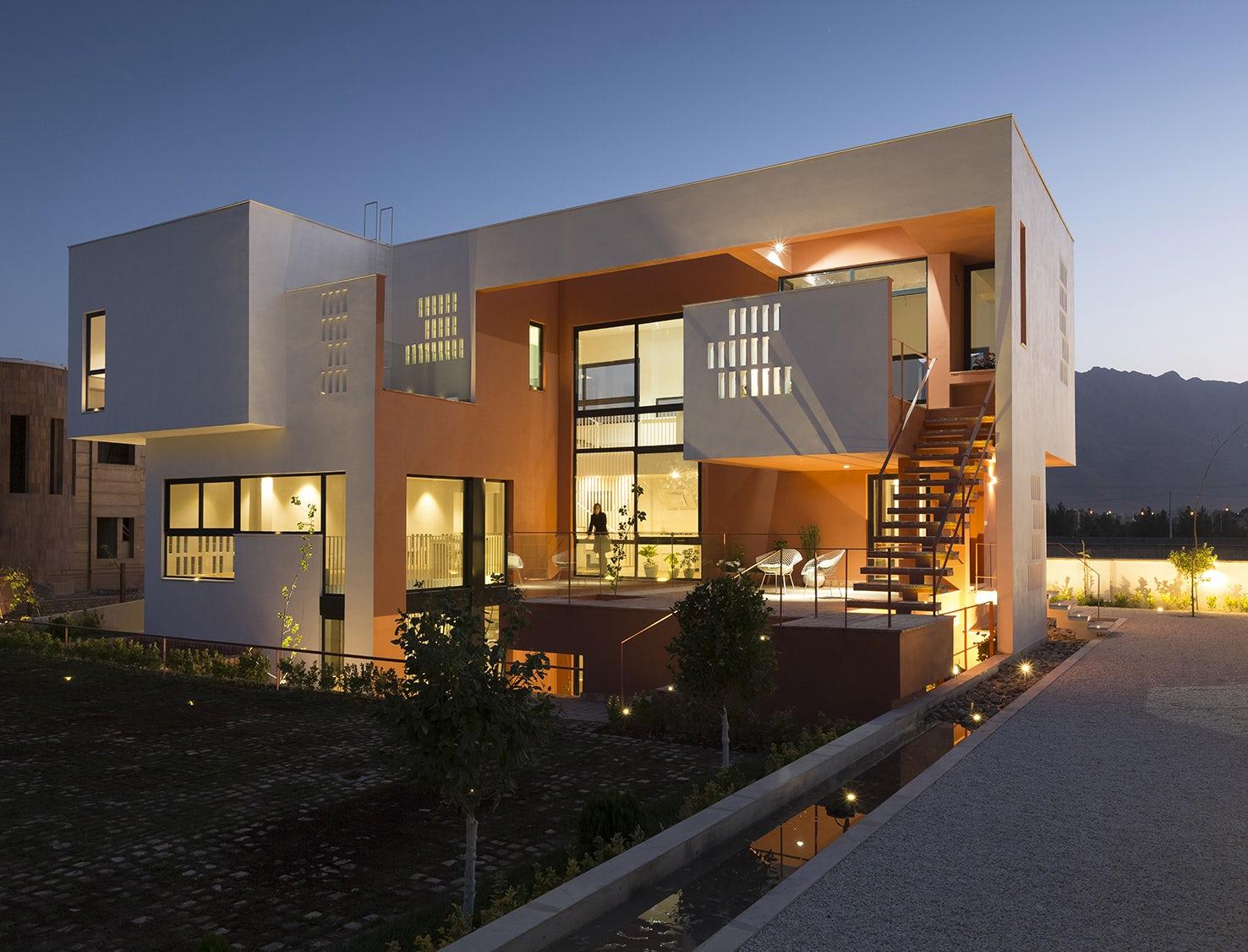 villa for anna & saeed