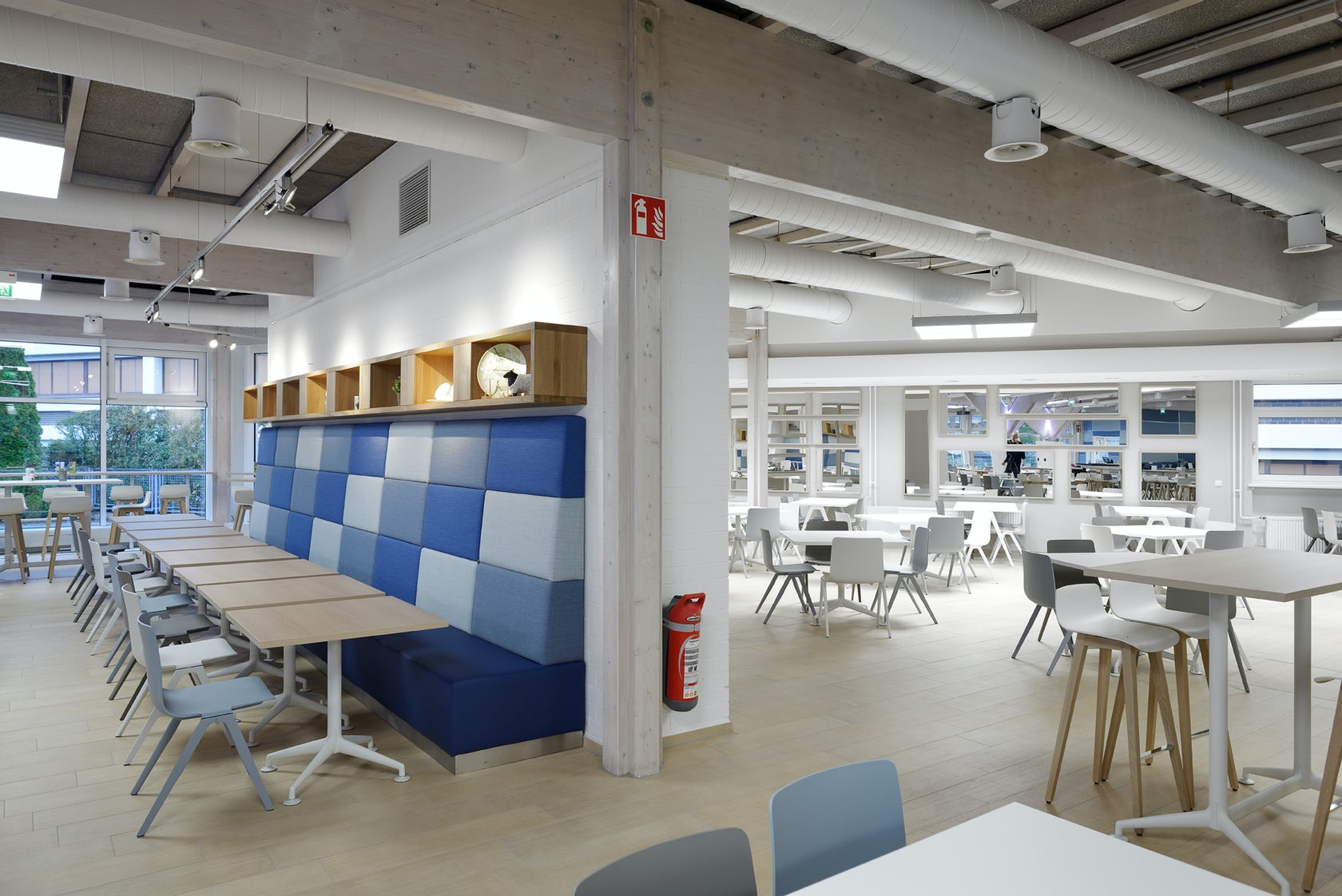 philips dmc cafeteria architizer. Black Bedroom Furniture Sets. Home Design Ideas