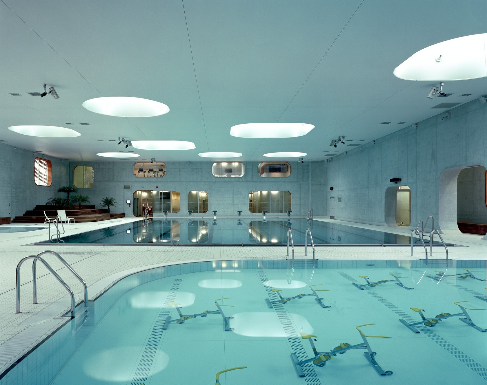 Swimming pool feng shui architizer - Piscine issy les moulineaux ...