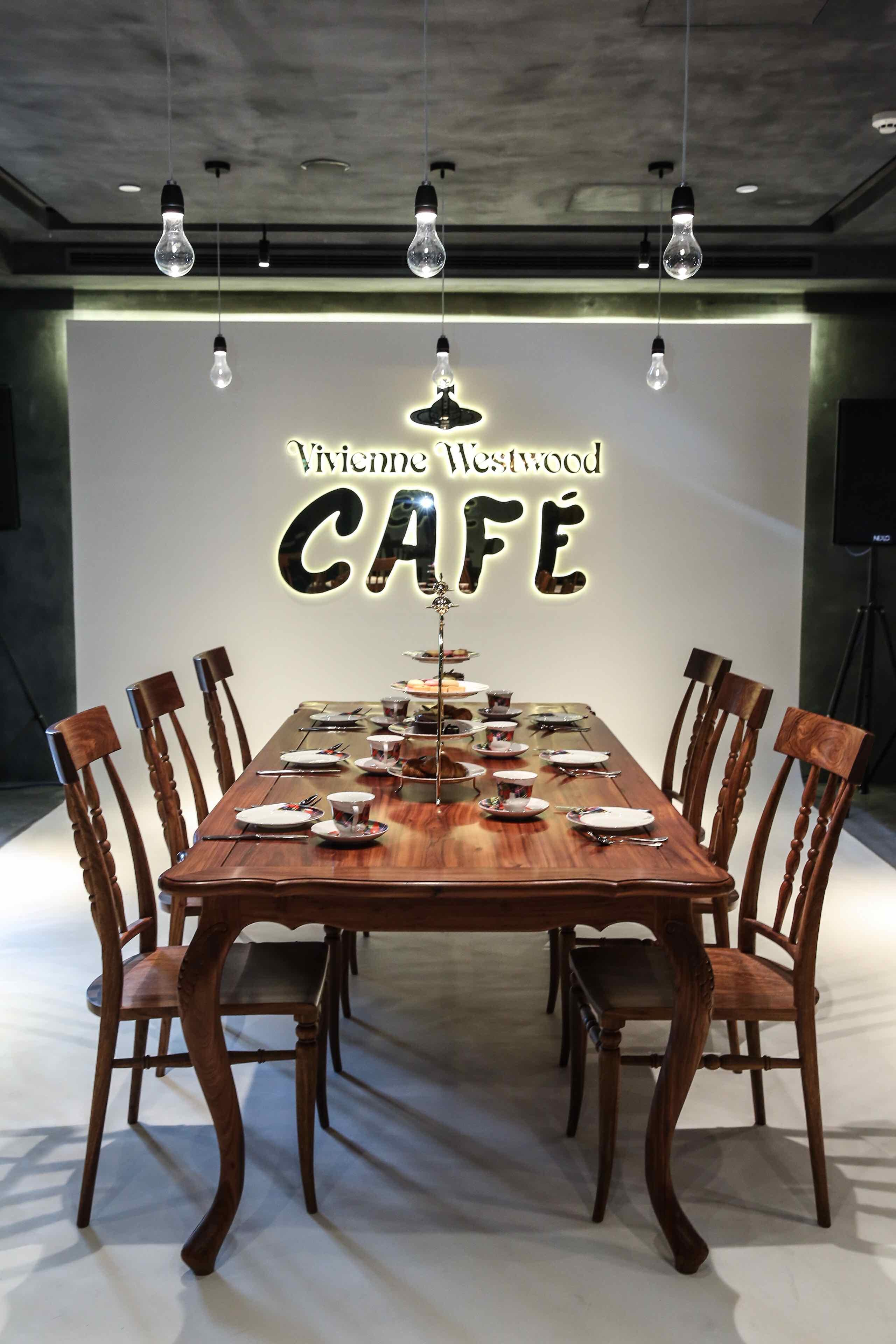 the vivienne westwood essay example Quintessentially british brands: vivienne westwood,  the vivienne westwood brand is a perfect example of what can be accomplished  vivienne was also made a .