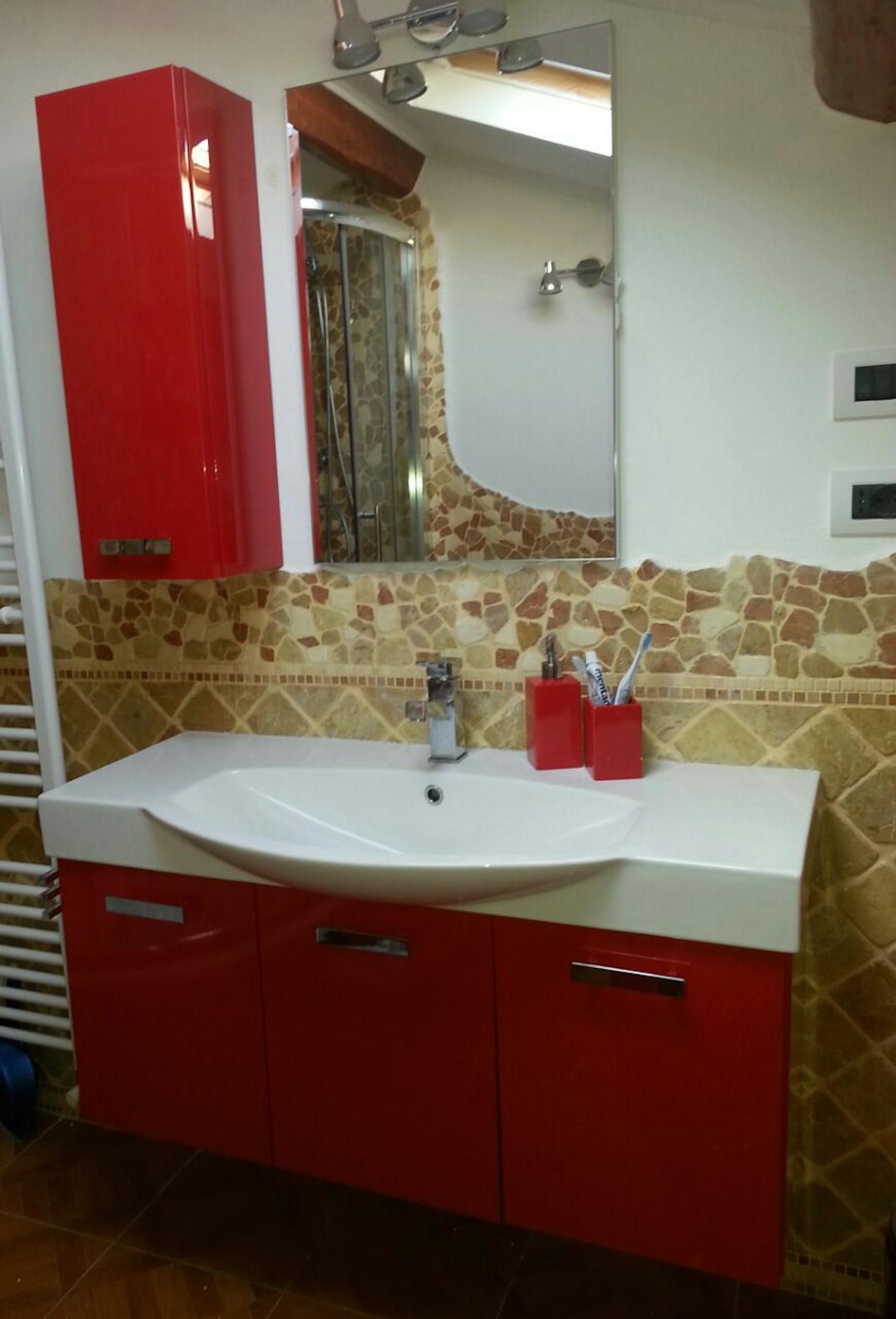 Bagno lavanderia rossa - Architizer