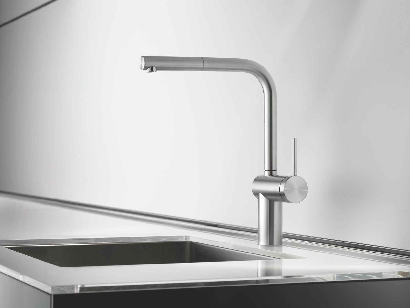 Kwc Livello Kitchen Faucet: Kwc livello by lever mixer pull out aerator.