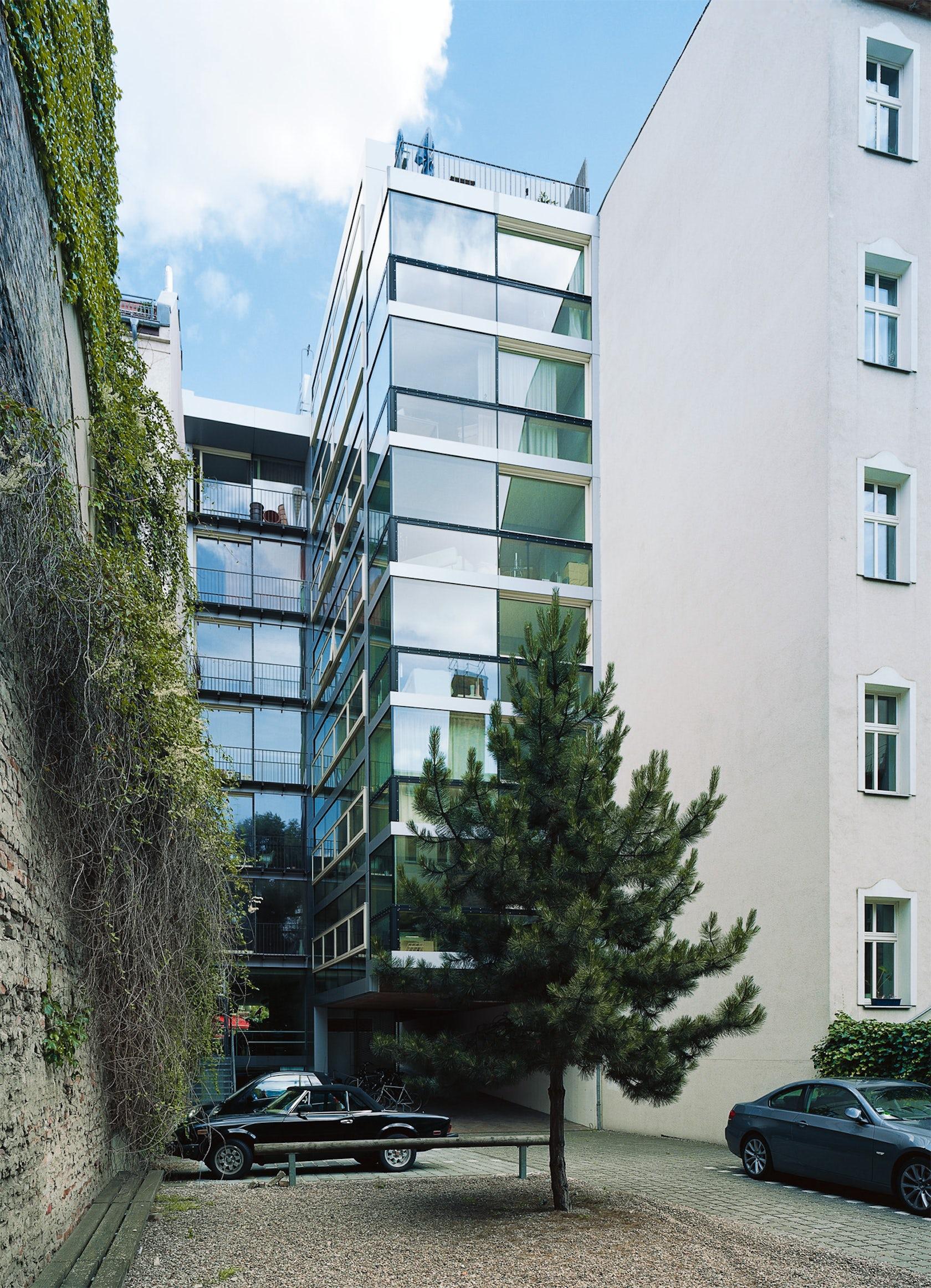 ly43 - New development of a residential building Lychener Strasse 43, Berlin-Prenzlauer  Berg on Architizer