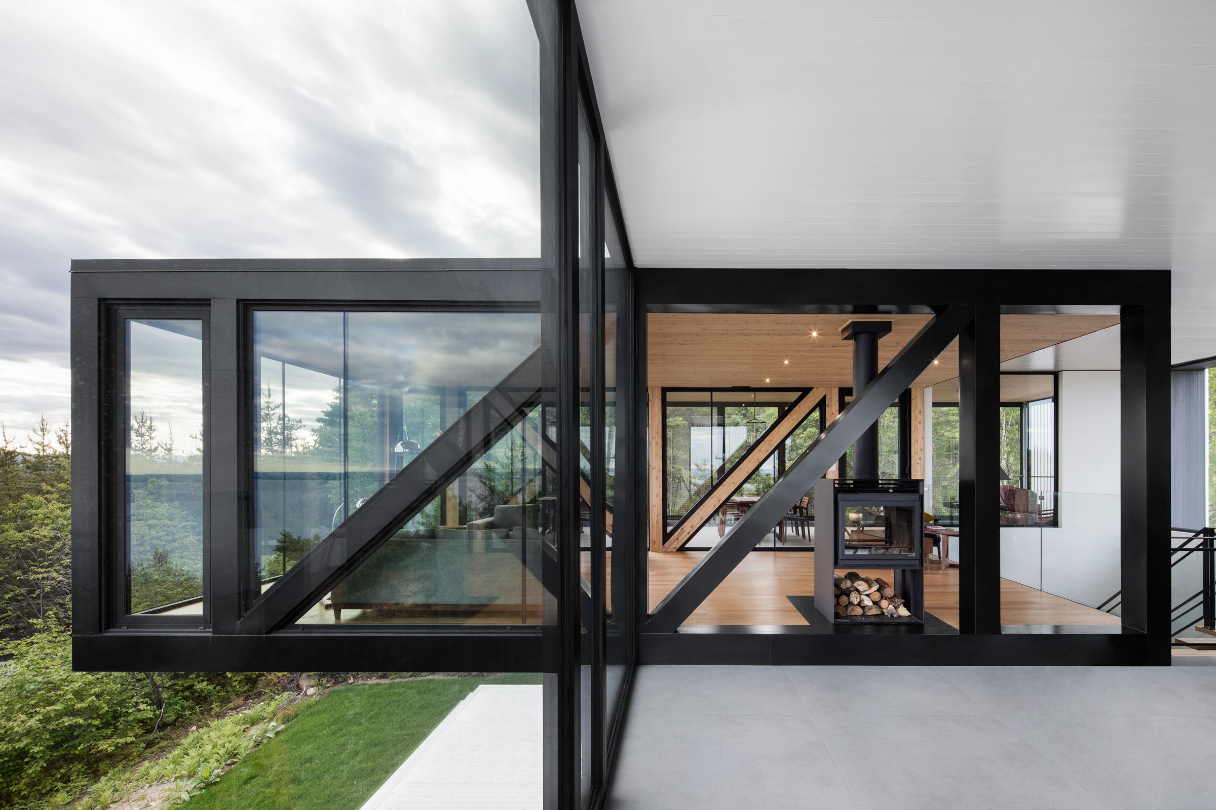 These 10 Truss Houses Blend Beautiful Architecture With Elegant Engineering