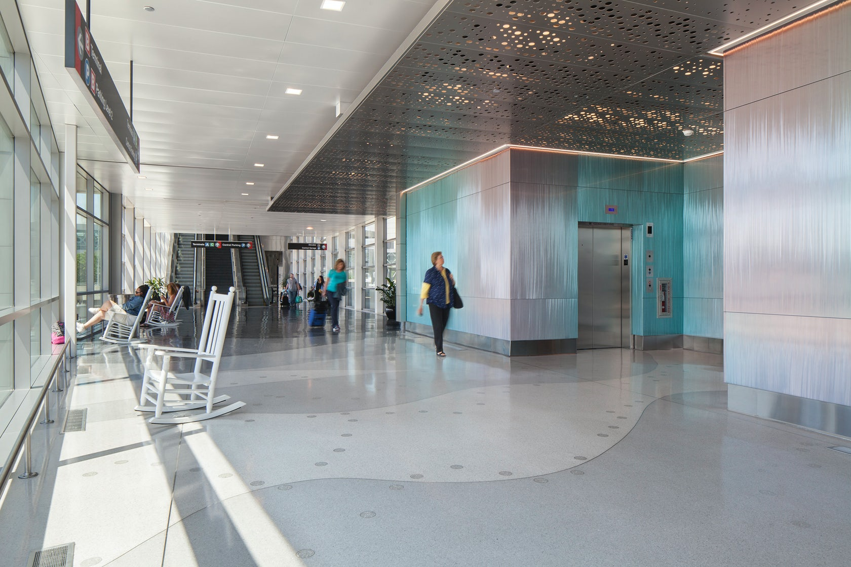 Boston Logan Airport Parking >> Logan International Airport Central Garage West Expansion ...