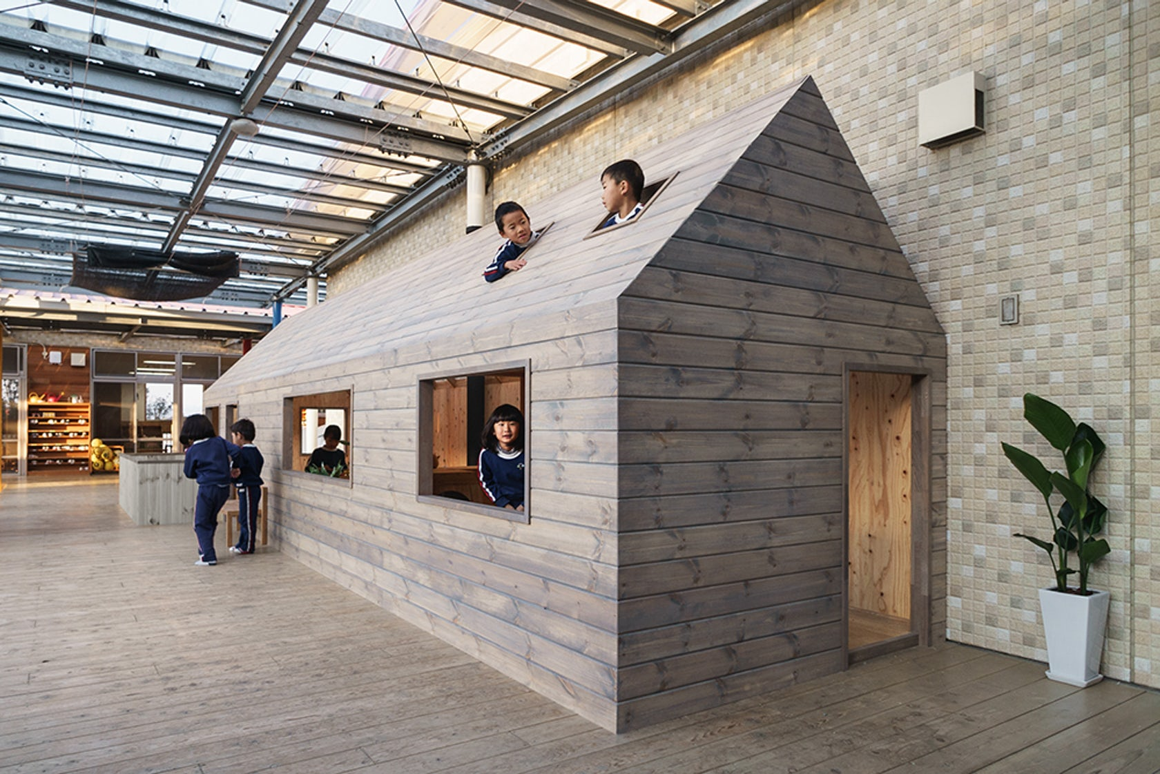 Hibinosekkei youji no shiro architizer for Tiny house architects