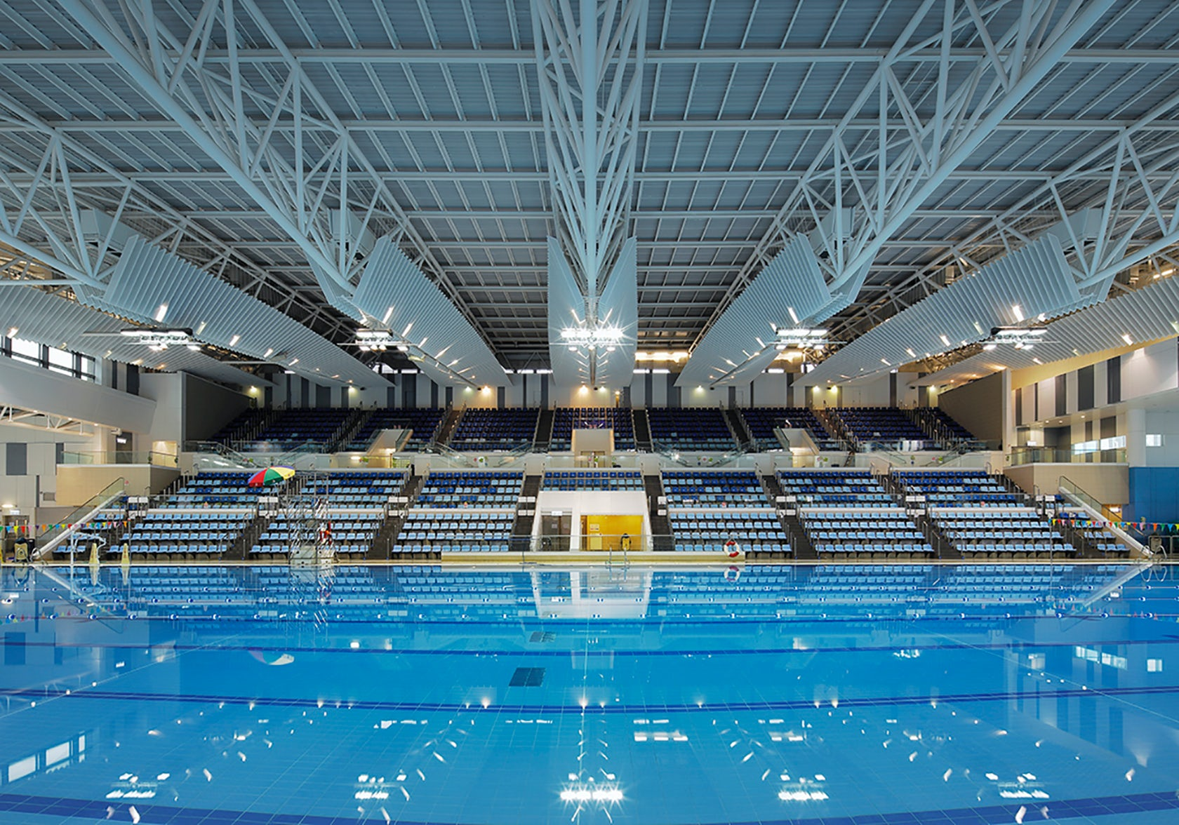 Redevelopment of kwun tong swimming pool complex and kwun tong recreation ground architizer Tong high school swimming pool