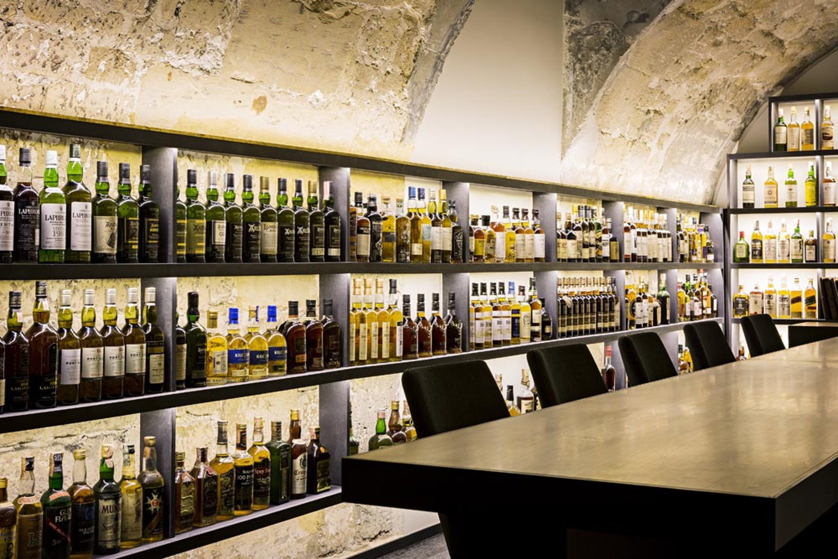 Whisky Bar - Architizer