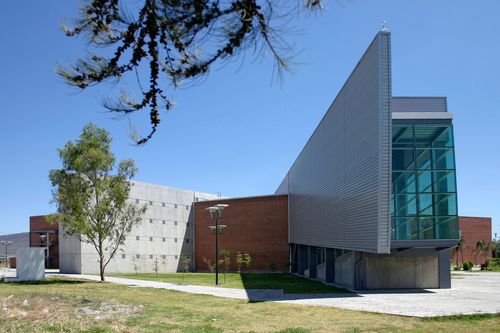 Biblioteca mediateca fernando del paso architizer for Biblioteca arquitectura