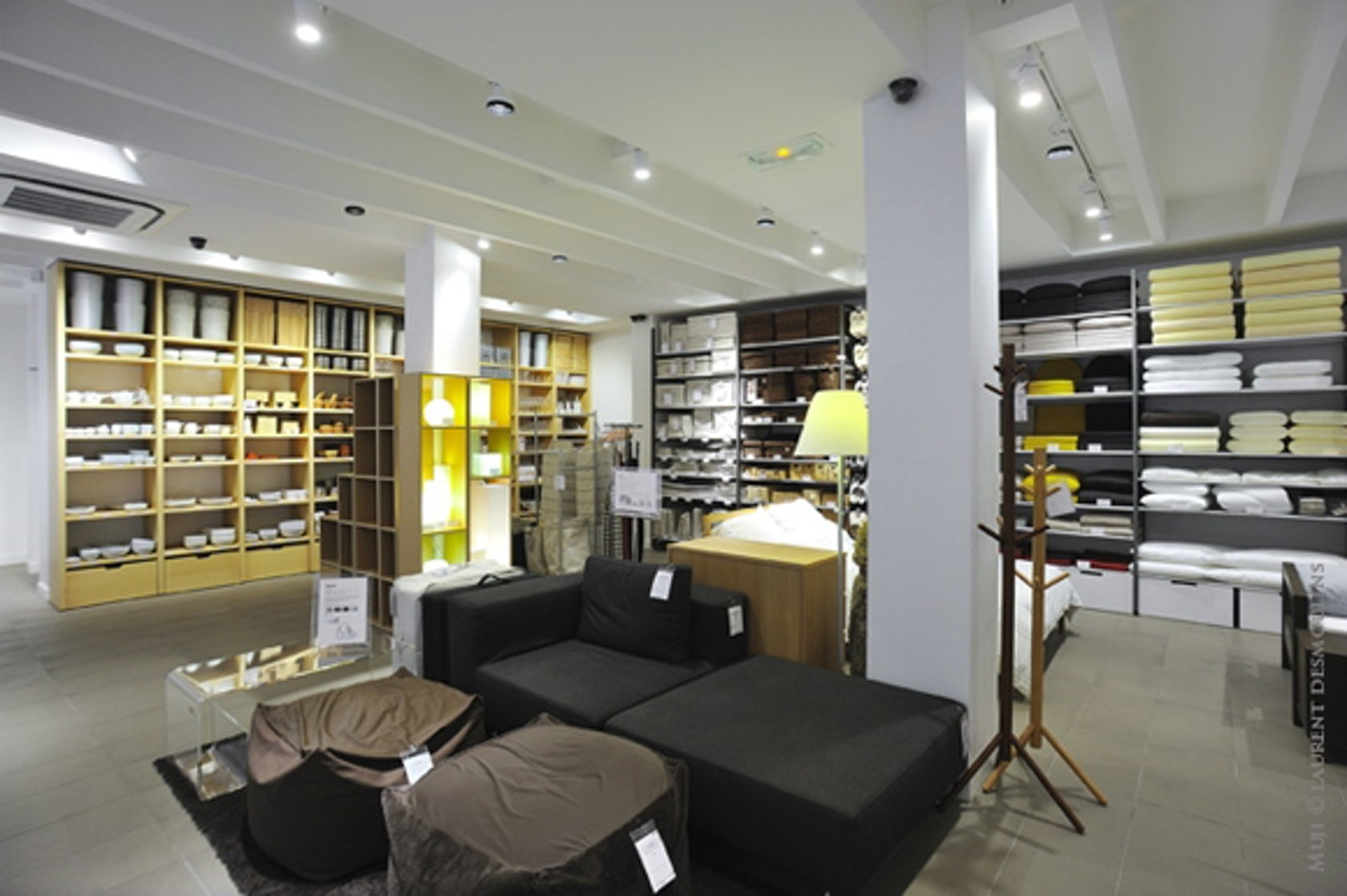 Muji shop in paris architizer - Magasin japonais paris muji ...