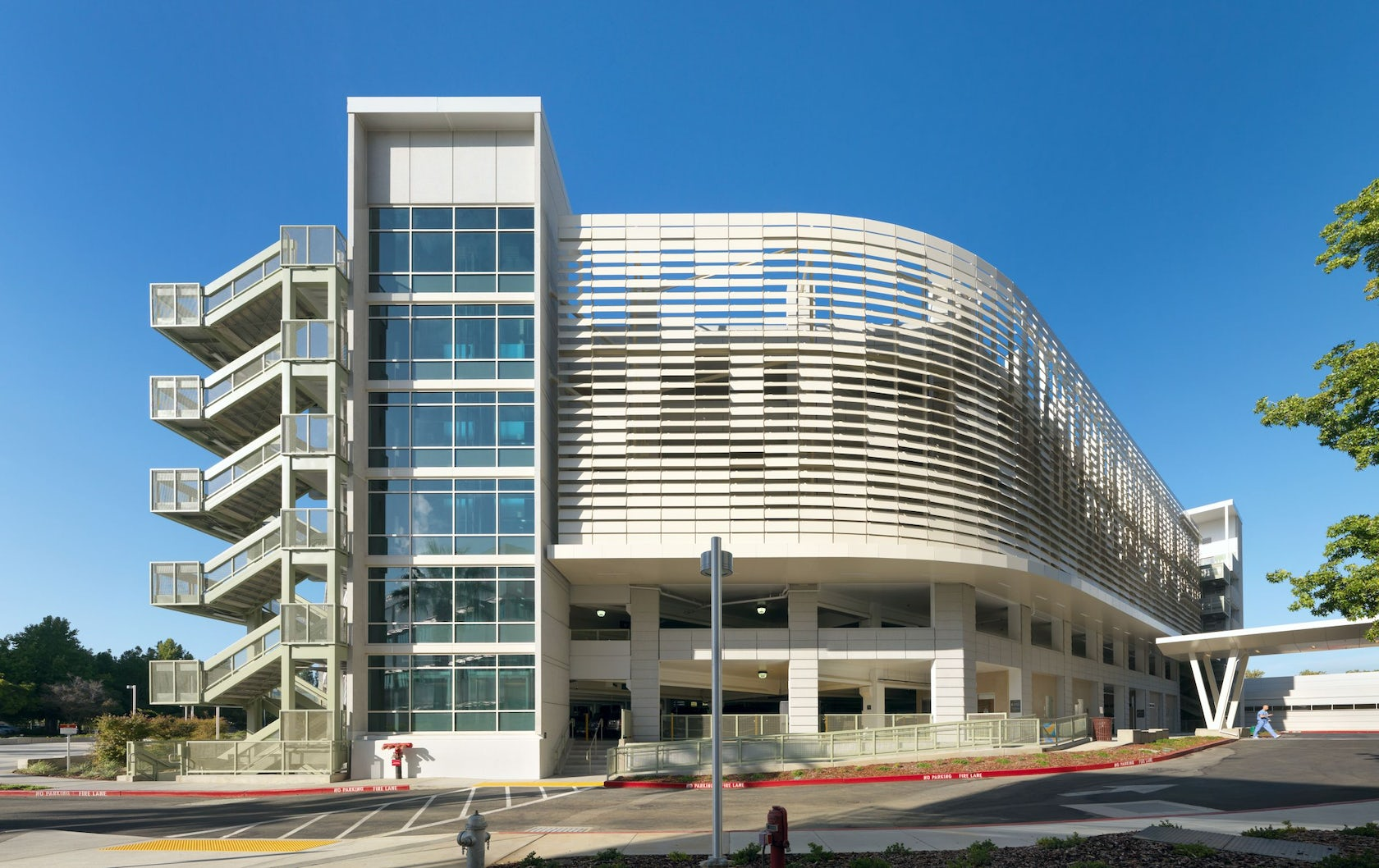 Uc davis medical center parking structure iii architizer for Architecture firms sacramento