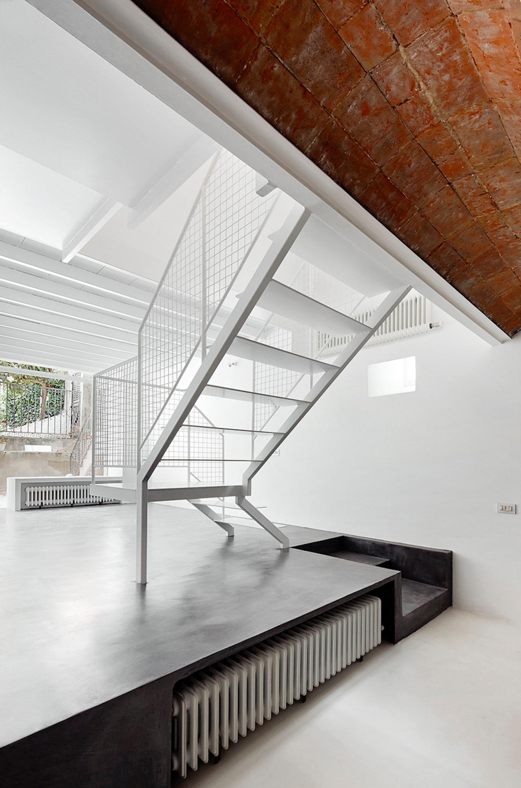 Reforma de una vivienda en nou barris architizer for Reforma de una casa