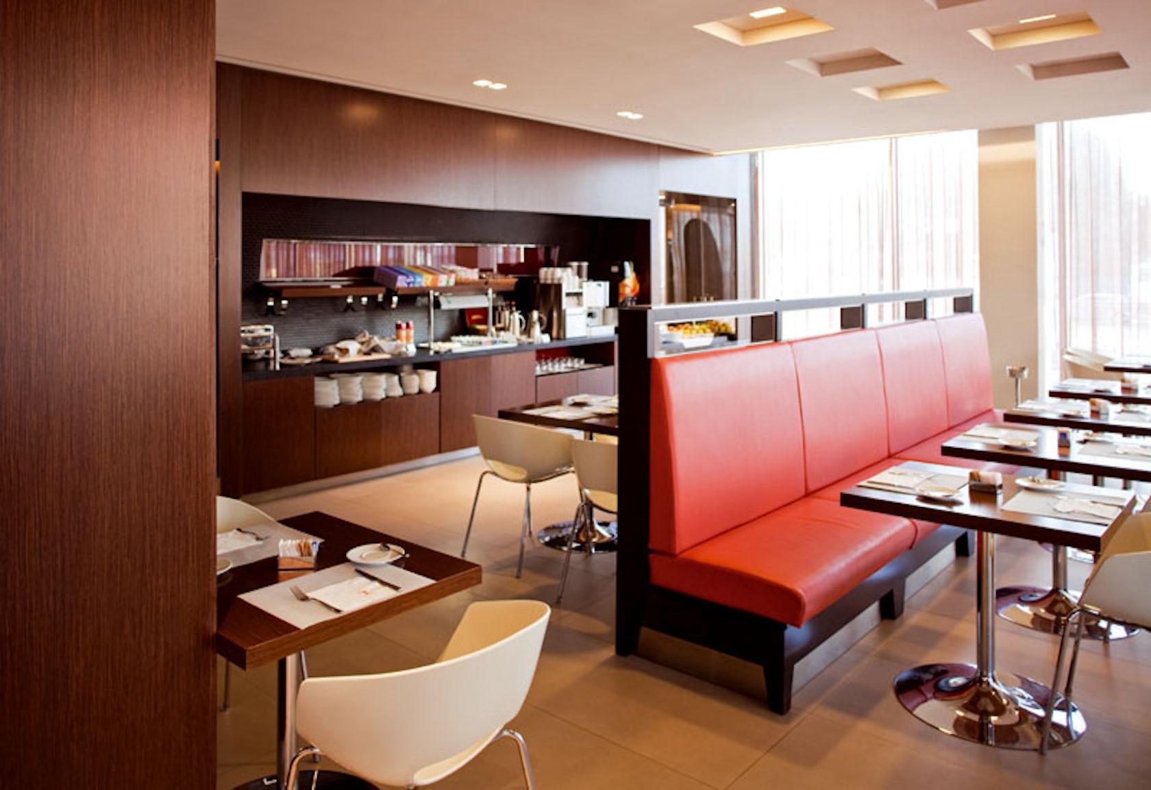 Bentley Hotel Genoa.Bentley Hotel Genova 5 Stars Luxury Hotel In ...