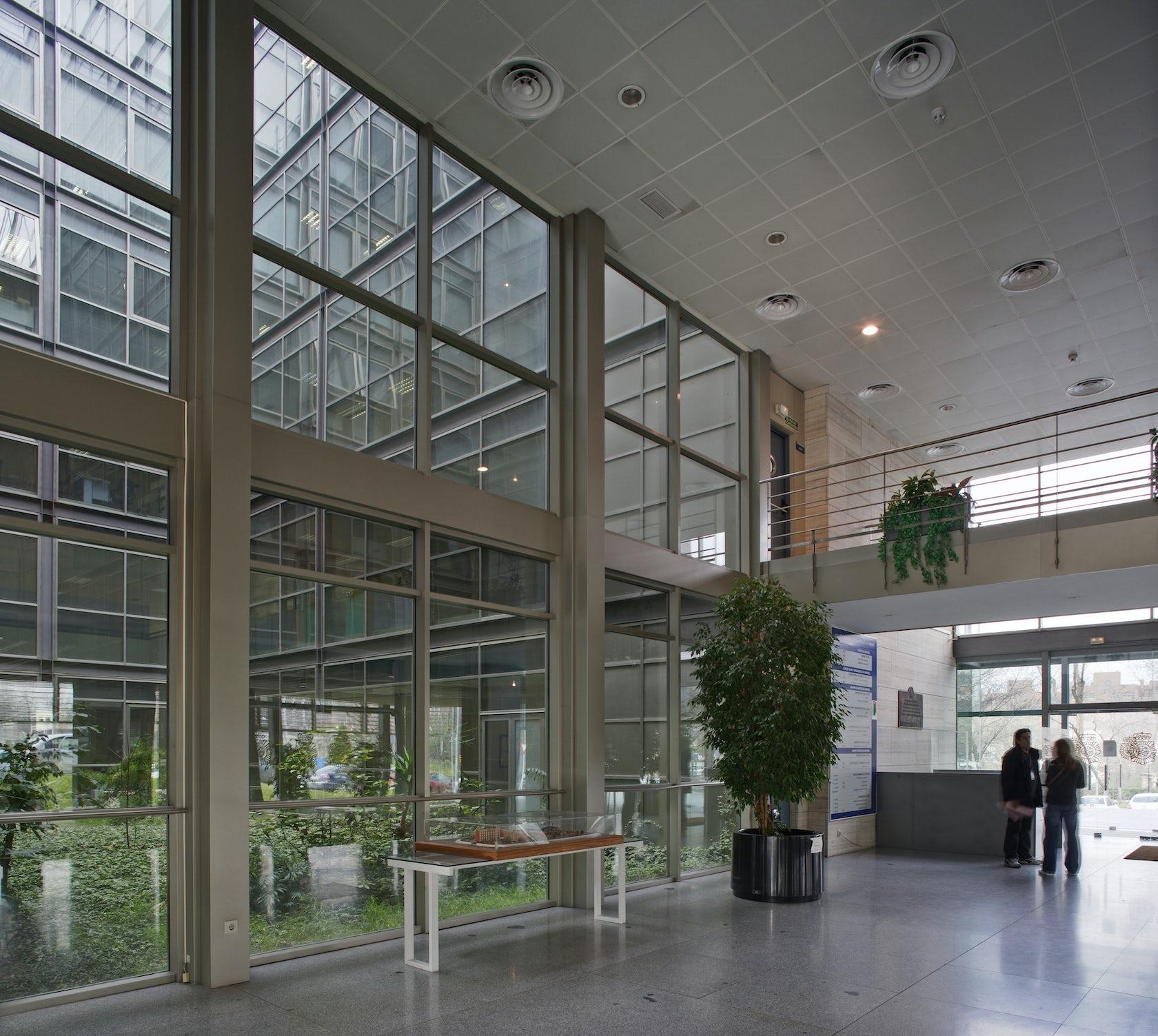 Edificio de oficinas para el ministerio del interior for Ministerio del interior legalizar analitico