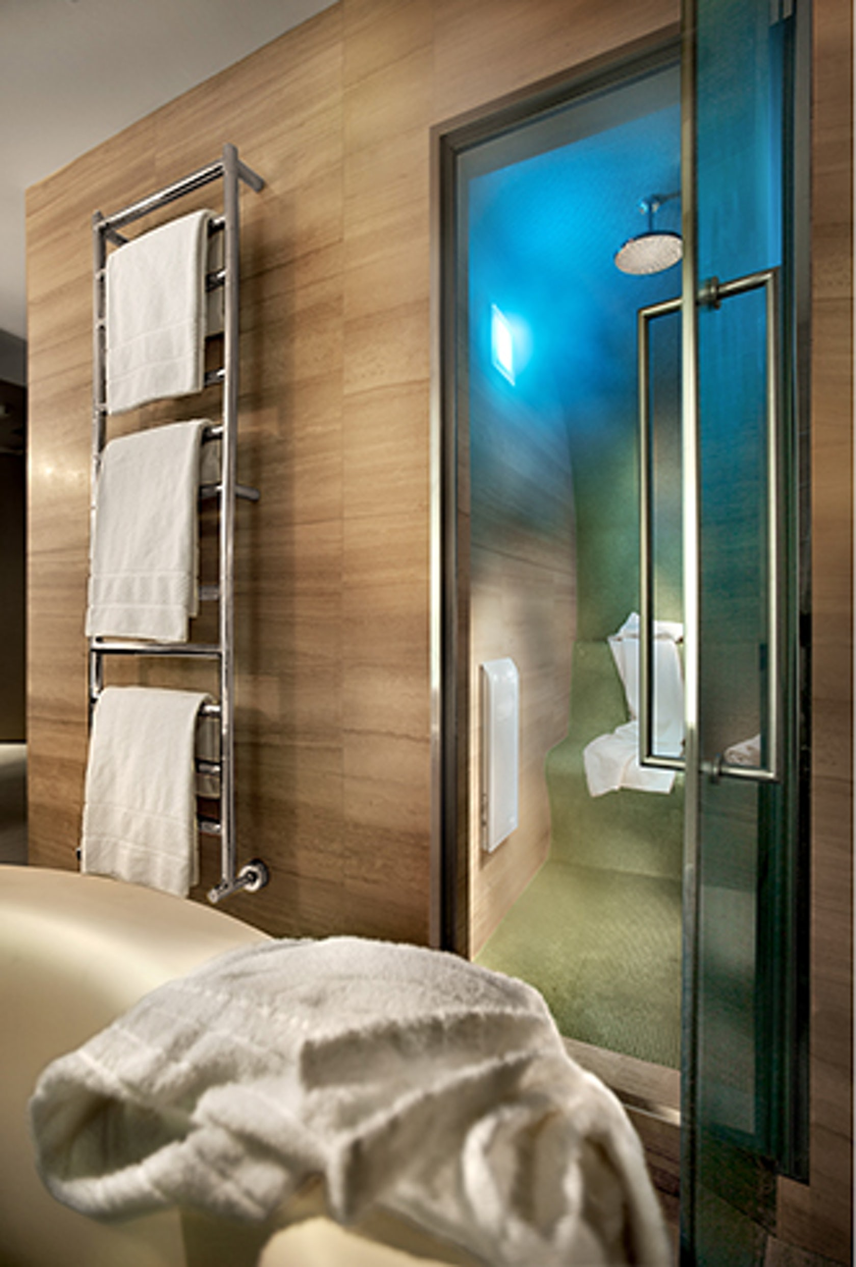 Hotel cavour milan executive room architizer for Hotel cavour milano