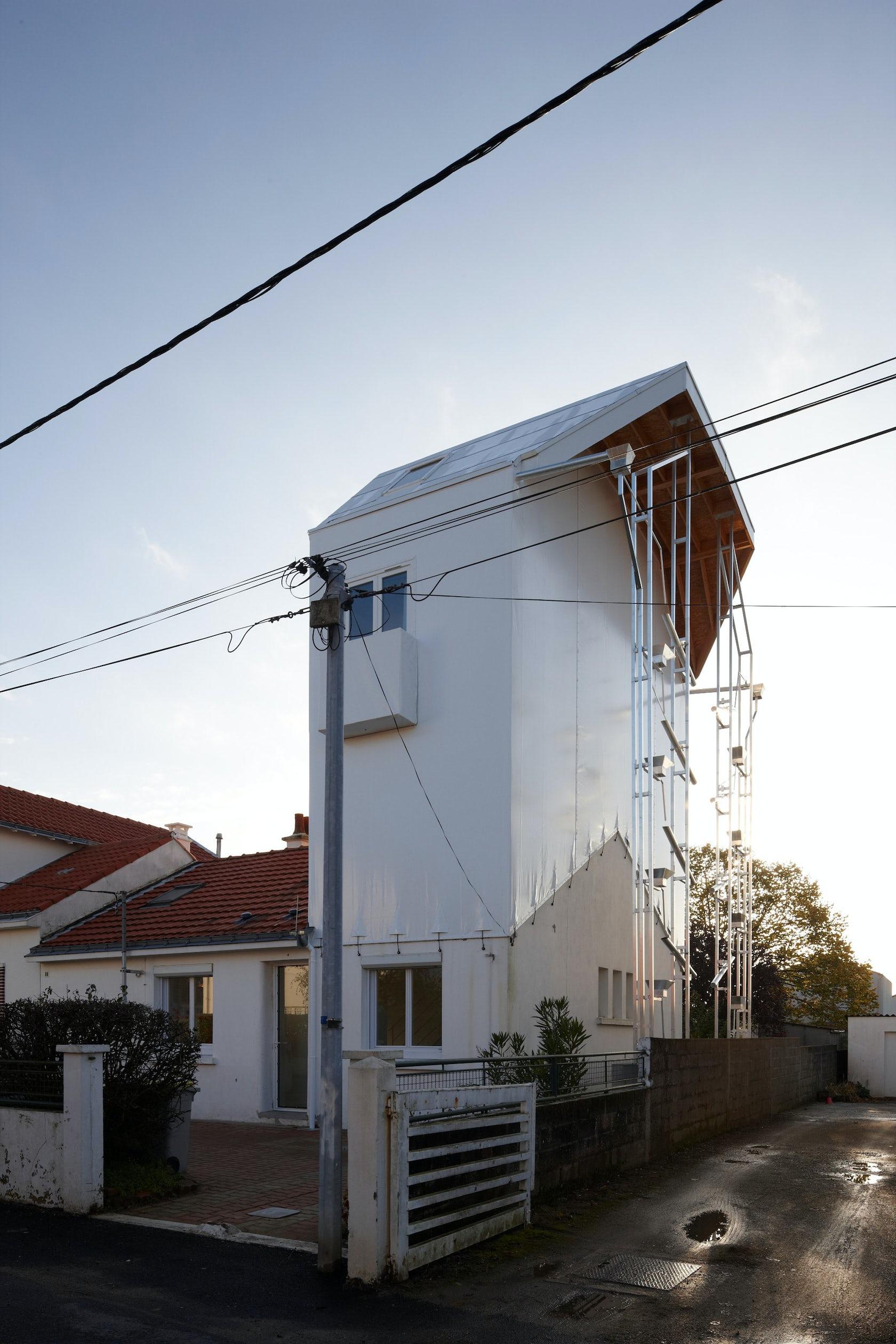 shishiodoshi house architizer. Black Bedroom Furniture Sets. Home Design Ideas