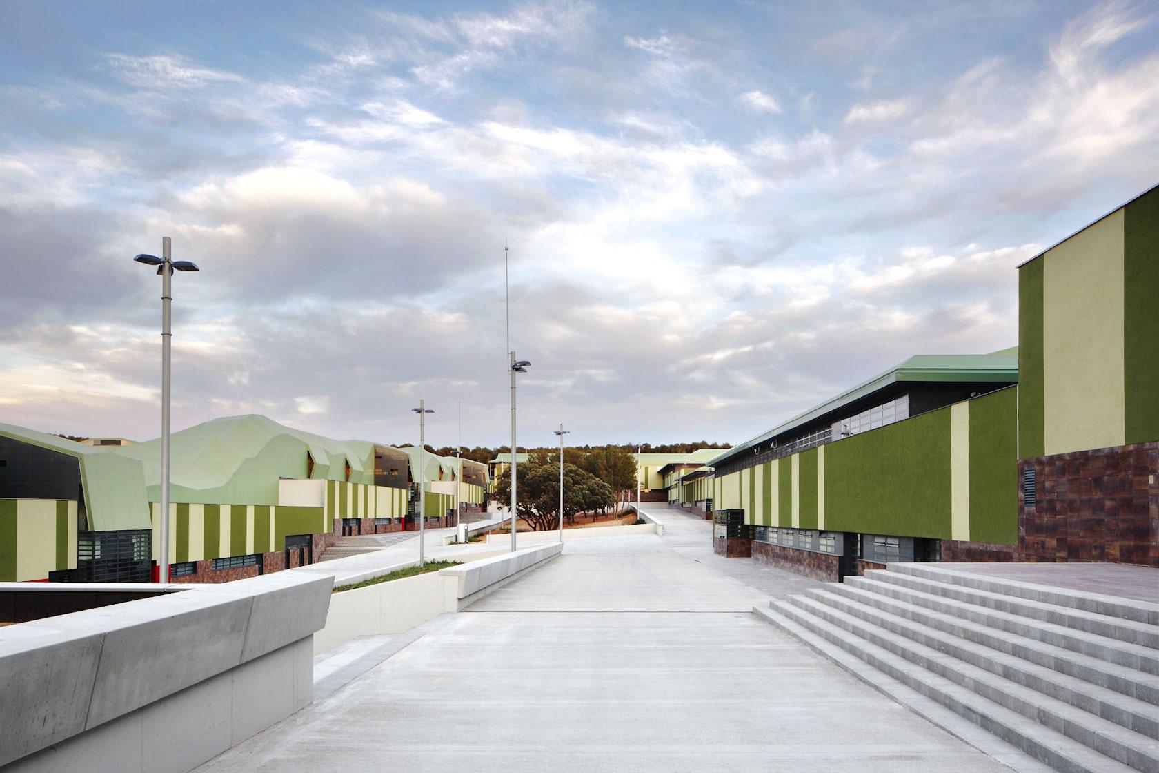 Mas d 39 enric penitentiary catalonia architizer - Mas arquitectura ...
